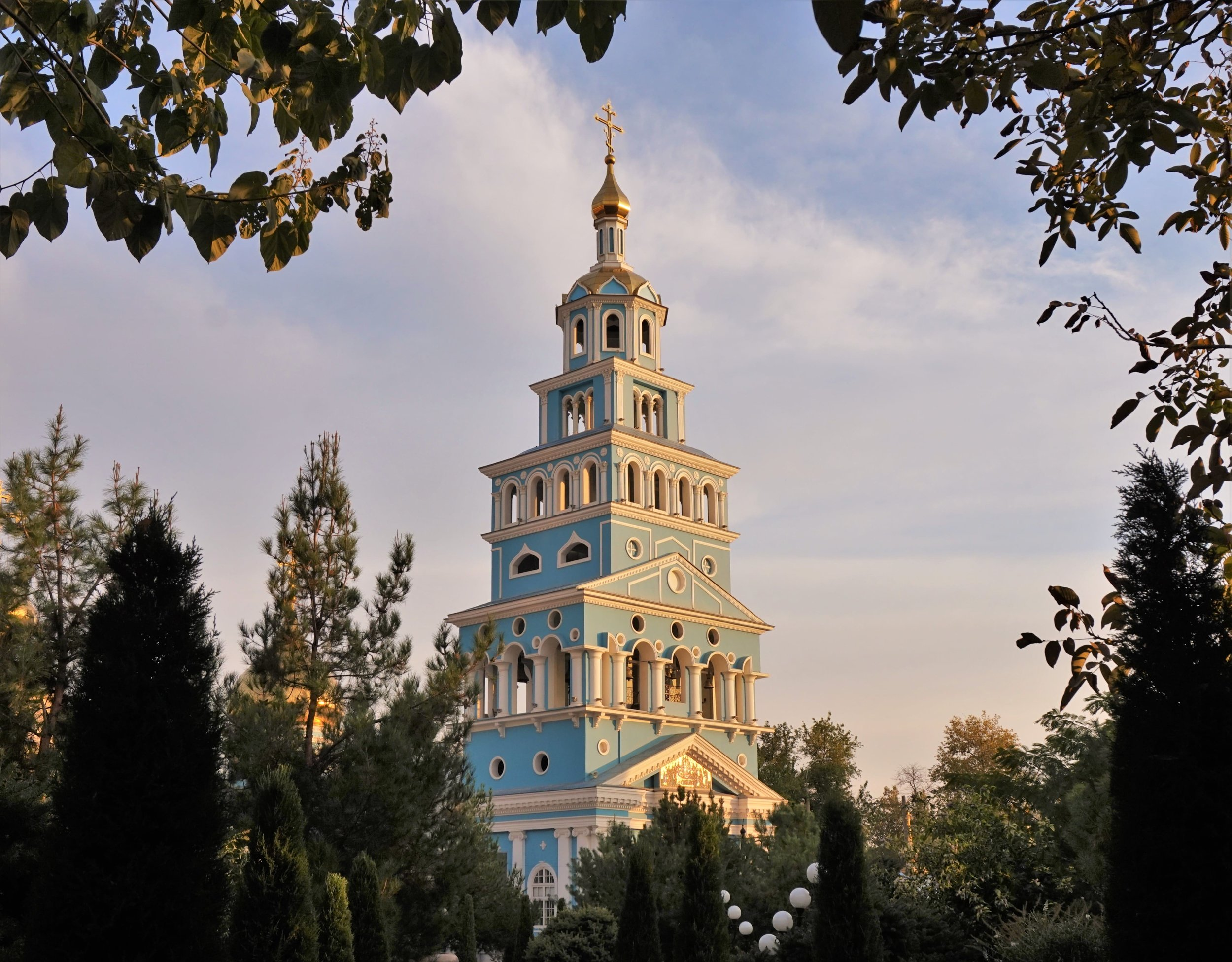 The orthodox church in Tashkent is an impressive building and one of the best things to see in Tashkent, Uzbekistan!
