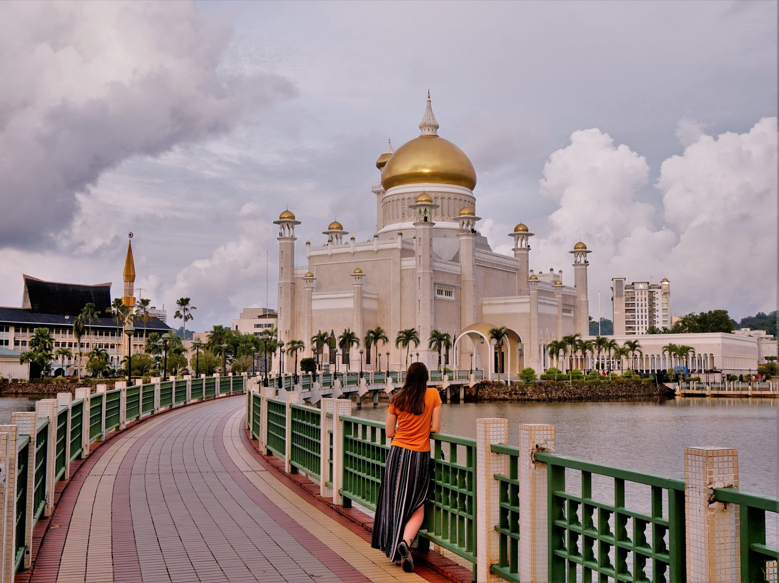 Omar Ali Saifuddien Mosque is one of the best things to see in Brunei