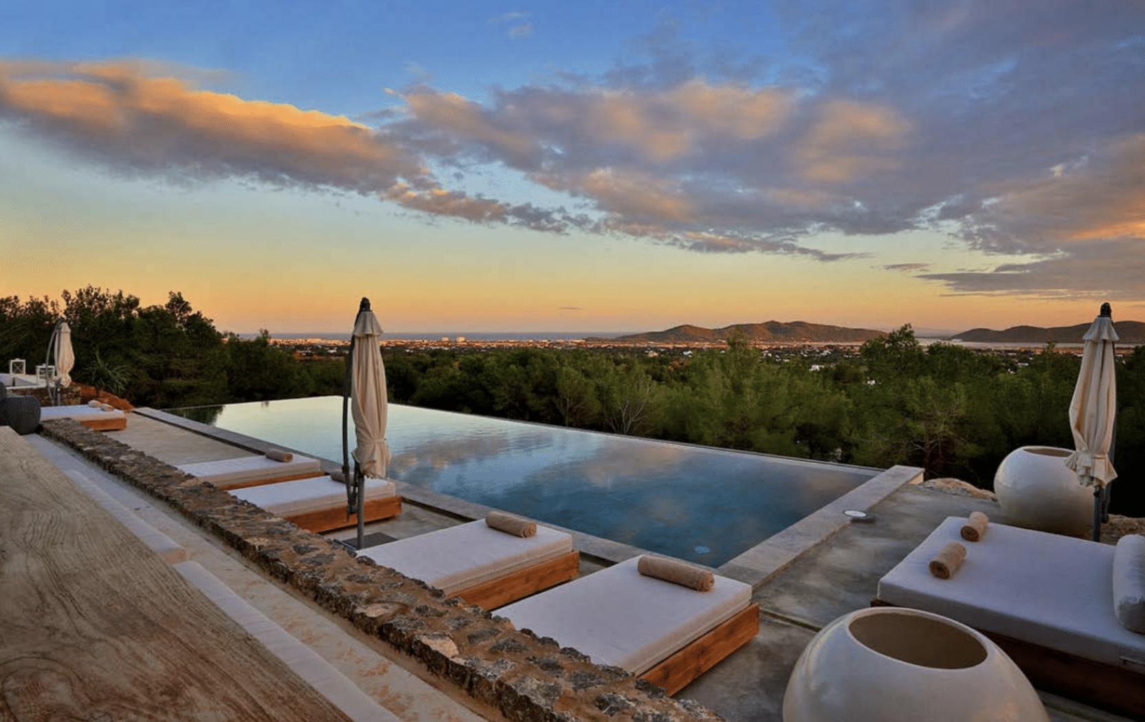 Yoga-Retreat-With-Ali-Gilling-Ibiza.png
