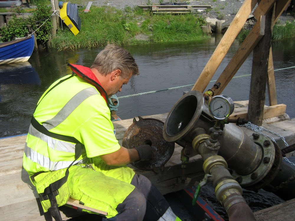 Dricksvatten ledningar Pollex rengöring polly-pig-rensning 8.jpg