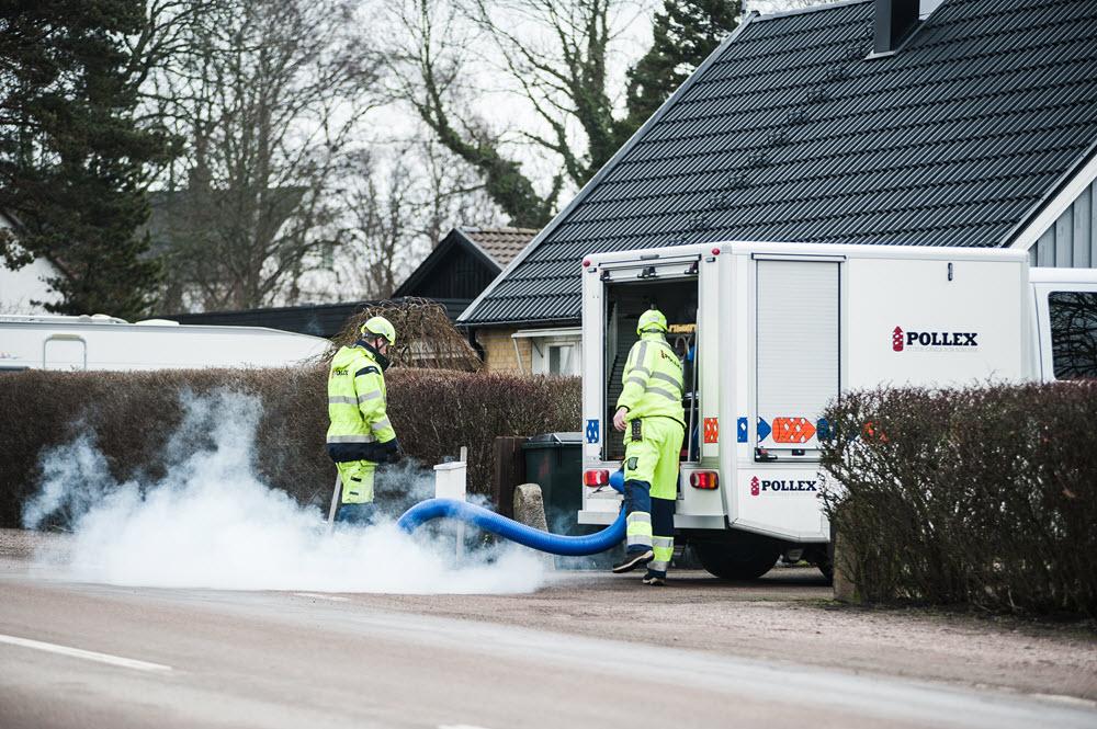 Våra egenutvecklade fordon för rök och färgning är smidiga och manövreras lätt i bostadsområden.