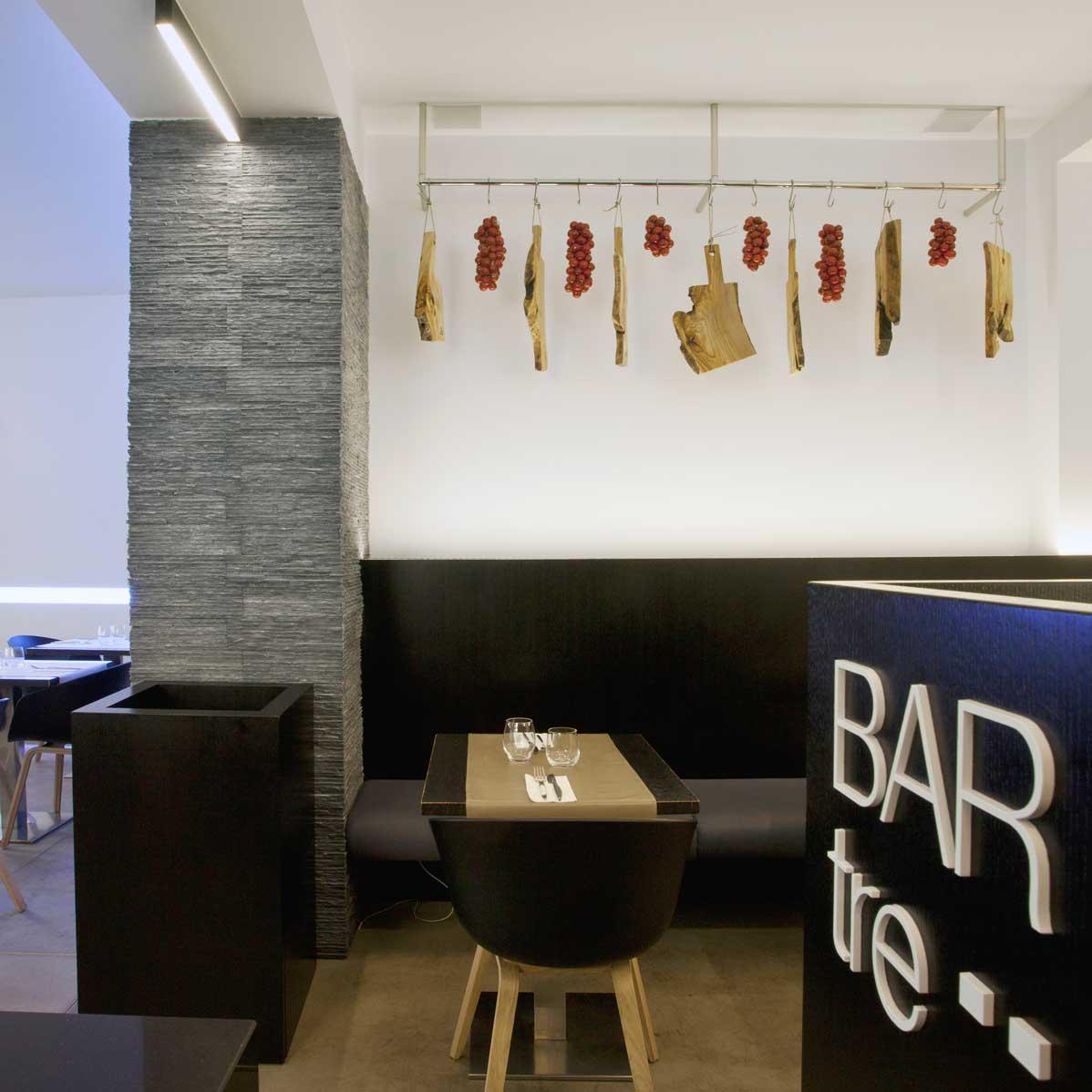 Bar-Tre-2.jpg