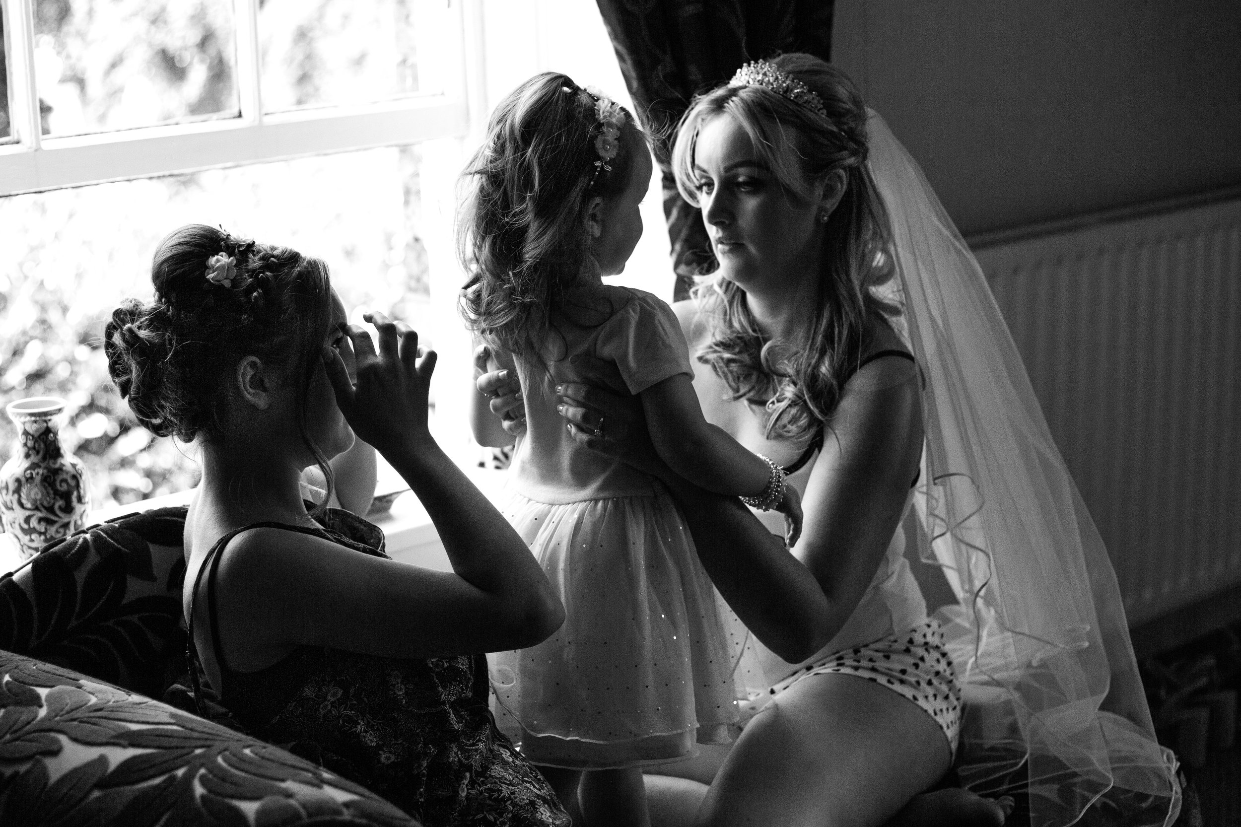 wedding-lea-cooper-photography-willenhall-west-midlands-wolverhampton-dudley-birmingham-uk-marriage-hadley-park-east-telford-window-black-white.jpg