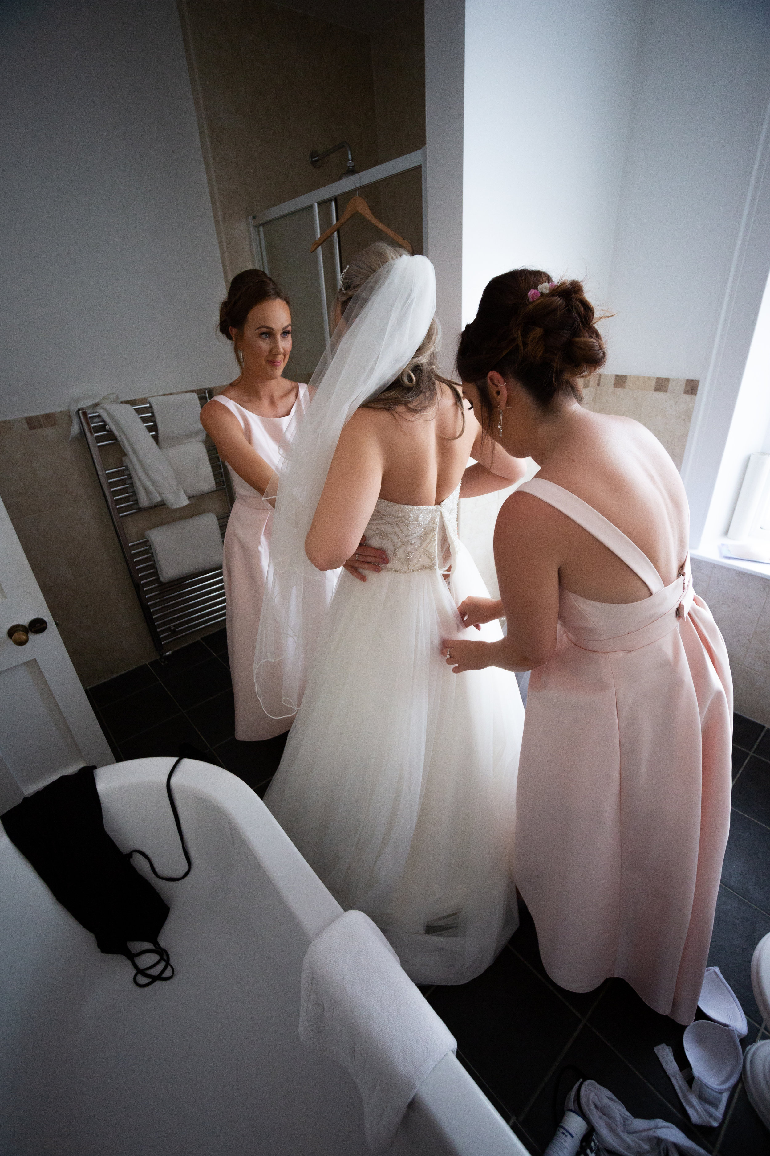 wedding-lea-cooper-photography-willenhall-west-midlands-wolverhampton-dudley-birmingham-uk-marriage-hadley-park-east-telford-wedding-dress.jpg