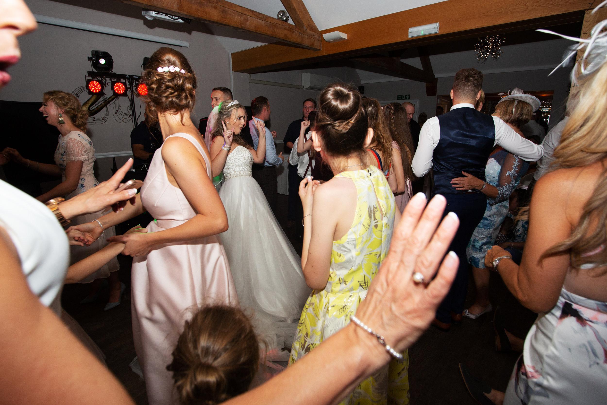 wedding-lea-cooper-photography-willenhall-west-midlands-wolverhampton-dudley-birmingham-uk-marriage-hadley-park-east-telford-bride-dance.jpg