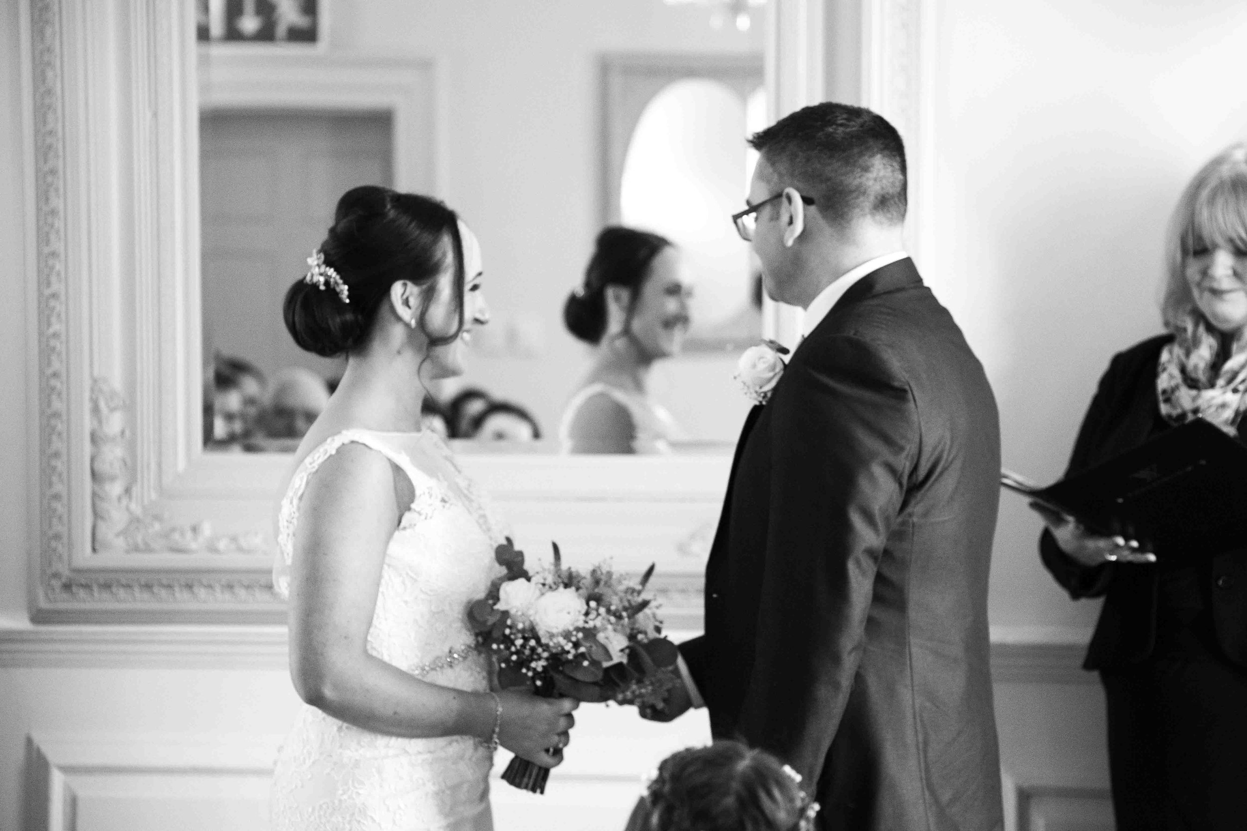wedding-photos-willenhall-wedding-photographer-wolverhampton-wedding-photographer-west-midlands-wedding-photographer-birmingham-residence-restraunt-and-bar-nantwich.jpg