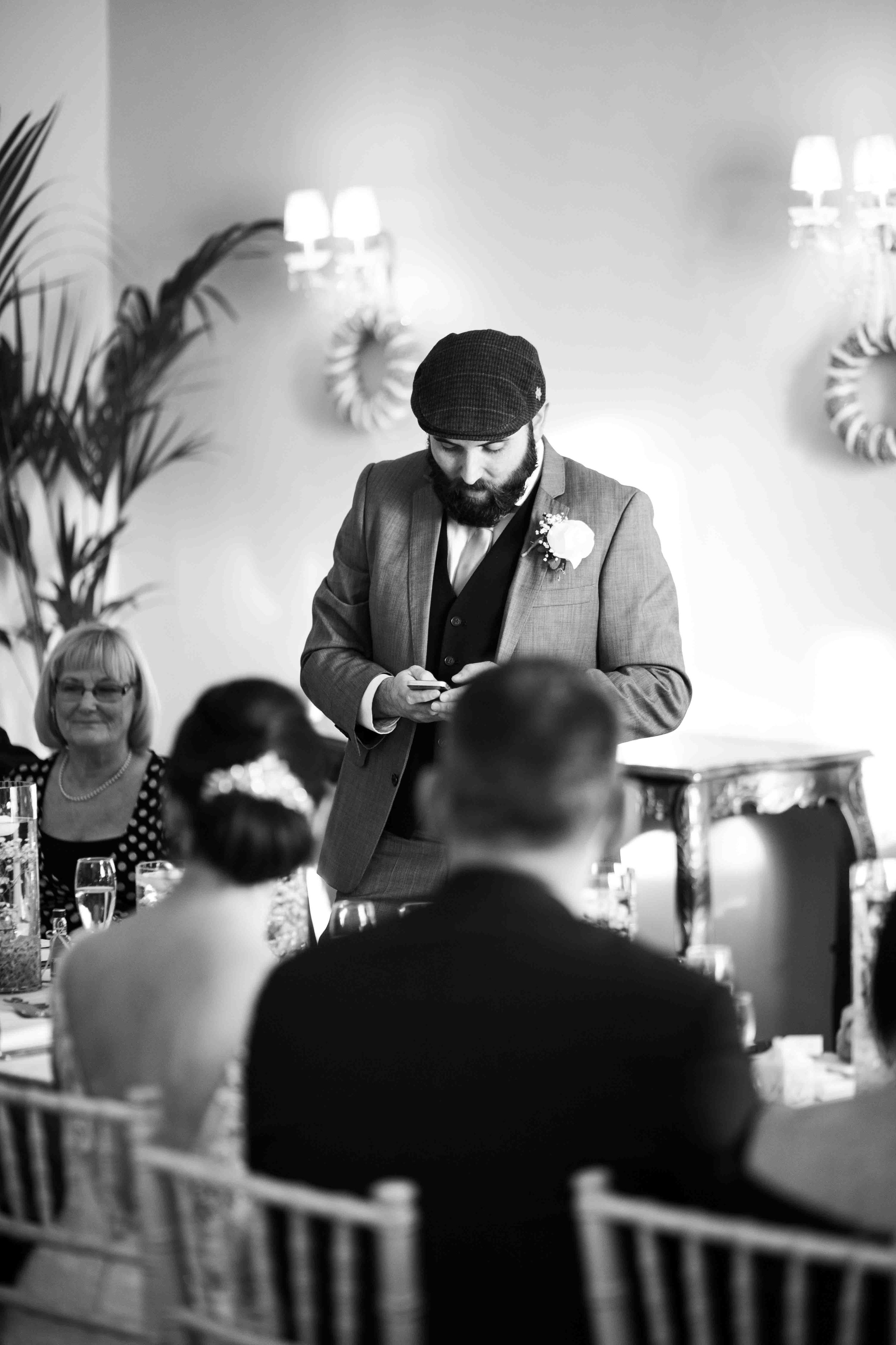 wedding-photos-willenhall-wedding-photographer-wolverhampton-wedding-photographer-west-midlands-wedding-photographer-birmingham-groom-speech.jpg