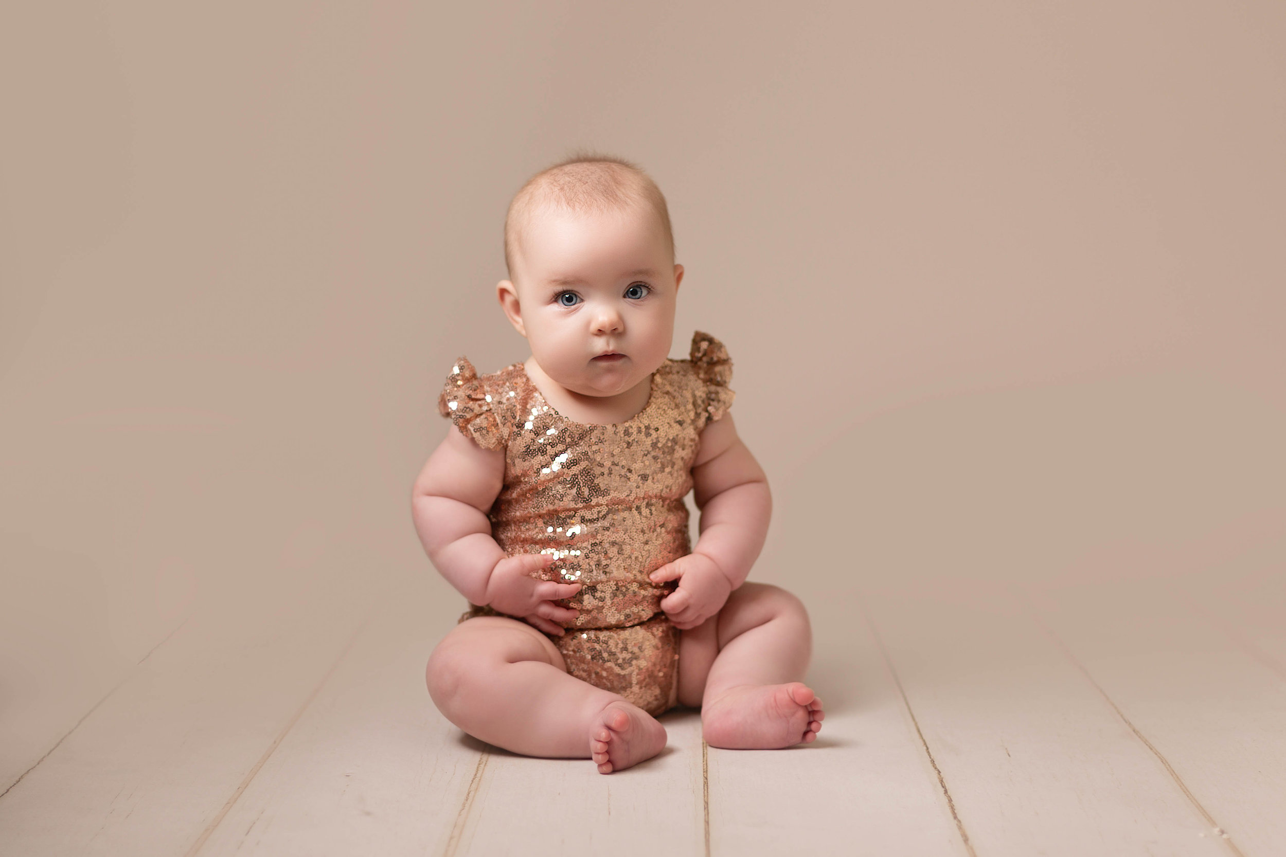 LEA-COOPER-PHOTOGRAPHY-CHILD-PHOTOGRAPHY-WILLENHALL-CHILDREN-PHOTOGRAPHER-WOLVERHAMPTON-BILSTON-WEDNESBURY-KIDS-PHOTOGRAPHER-SITTER-SESSION-MILESTONE--3.JPG