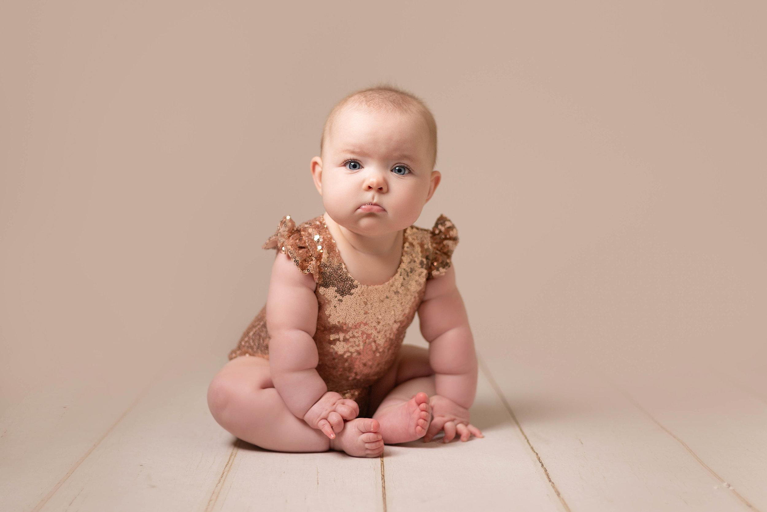LEA-COOPER-PHOTOGRAPHY-CHILD-PHOTOGRAPHY-WILLENHALL-CHILDREN-PHOTOGRAPHER-WOLVERHAMPTON-BILSTON-WEDNESBURY-KIDS-PHOTOGRAPHER-SITTER-SESSION-MILESTONE--4.JPG