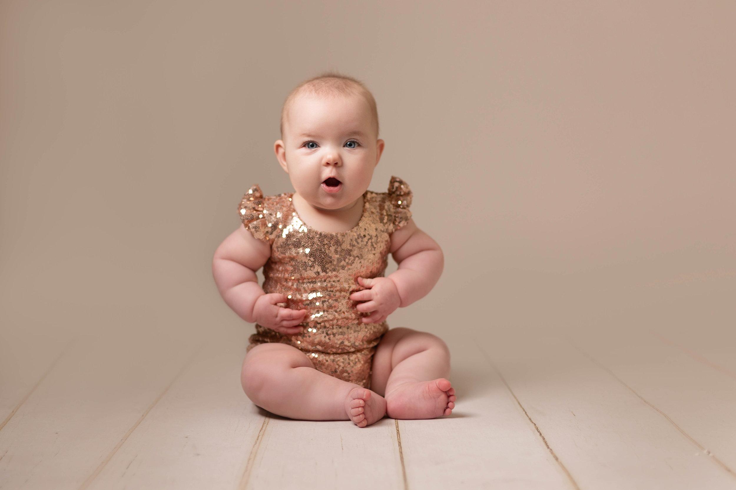 LEA-COOPER-PHOTOGRAPHY-CHILD-PHOTOGRAPHY-WILLENHALL-CHILDREN-PHOTOGRAPHER-WOLVERHAMPTON-BILSTON-WEDNESBURY-KIDS-PHOTOGRAPHER-SITTER-SESSION-MILESTONE--5.JPG
