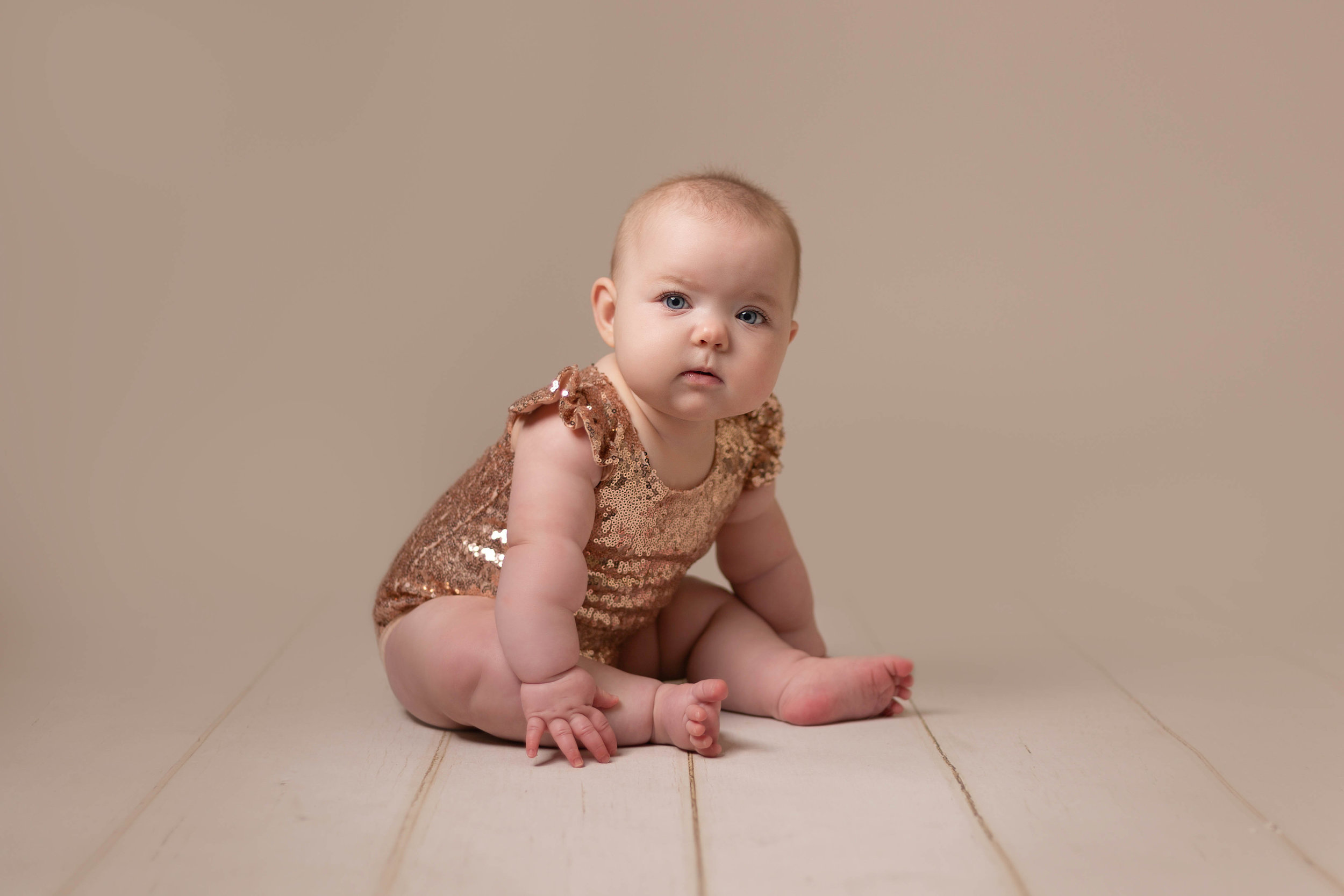 LEA-COOPER-PHOTOGRAPHY-CHILD-PHOTOGRAPHY-WILLENHALL-CHILDREN-PHOTOGRAPHER-WOLVERHAMPTON-BILSTON-WEDNESBURY-KIDS-PHOTOGRAPHER-SITTER-SESSION-MILESTONE--6.JPG