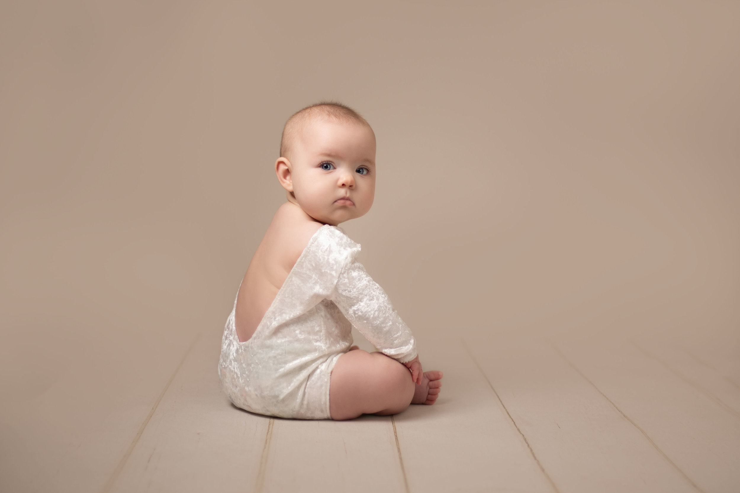 LEA-COOPER-PHOTOGRAPHY-CHILD-PHOTOGRAPHY-WILLENHALL-CHILDREN-PHOTOGRAPHER-WOLVERHAMPTON-BILSTON-WEDNESBURY-KIDS-PHOTOGRAPHER-SITTER-SESSION-MILESTONE--7.JPG