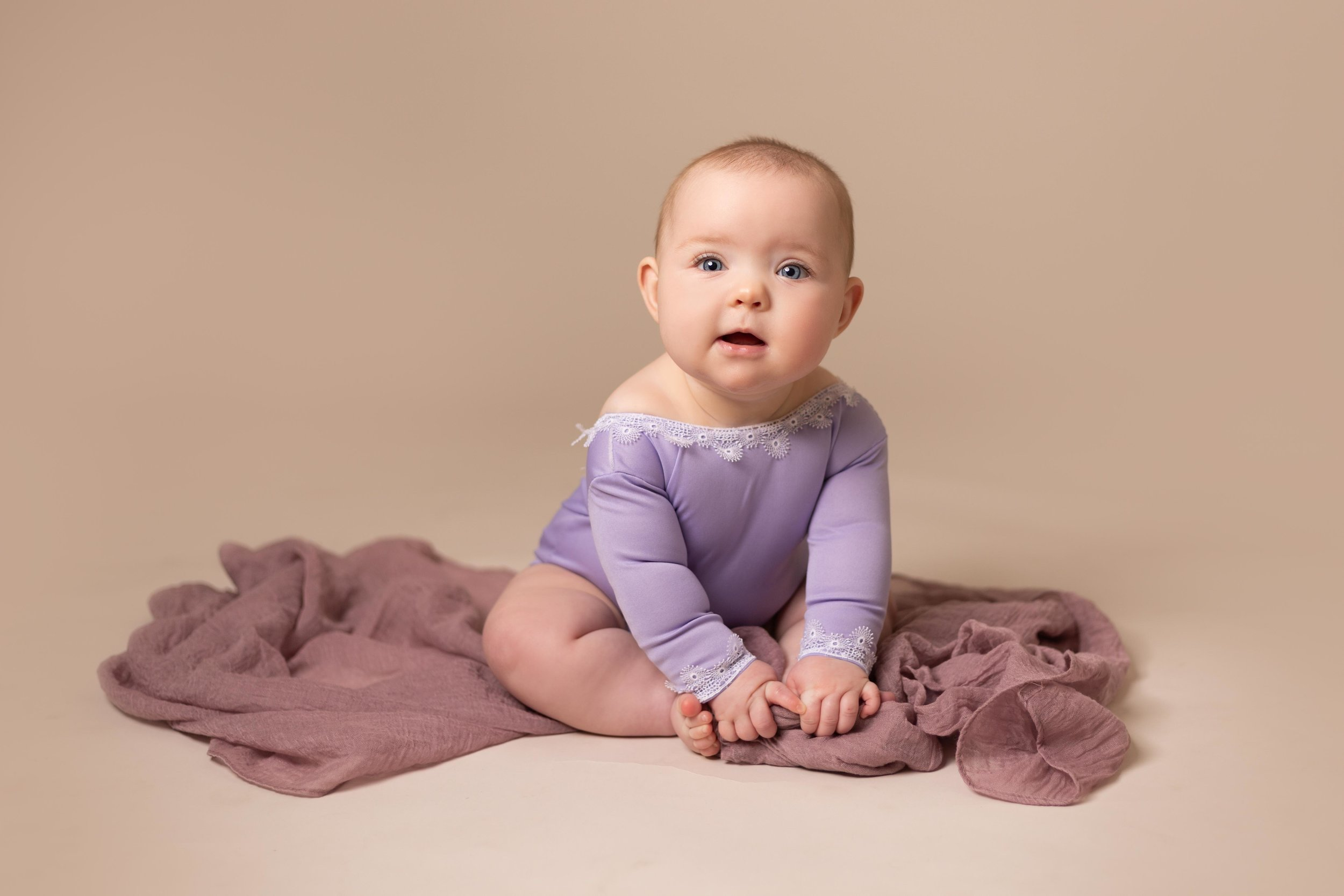 LEA-COOPER-PHOTOGRAPHY-CHILD-PHOTOGRAPHY-WILLENHALL-CHILDREN-PHOTOGRAPHER-WOLVERHAMPTON-BILSTON-WEDNESBURY-KIDS-PHOTOGRAPHER-SITTER-SESSION-MILESTONE--17.JPG
