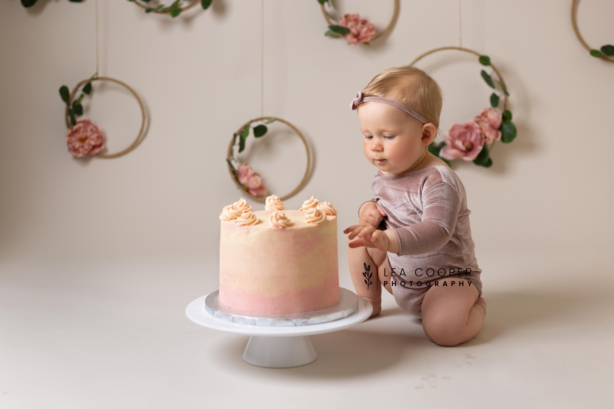 LEA-COOPER-PHOTOGRAPHY-CAKE-SMASH-PHOTOS-BIRTHDAY-PICTURES-WILLENHALL-WEST-MIDLANDS-SPLASH-CHILD-PHOTOGRAPHY-PORTRAIT-WEST-MIDLANDS-WOLVERHAMPTON-7.jpg
