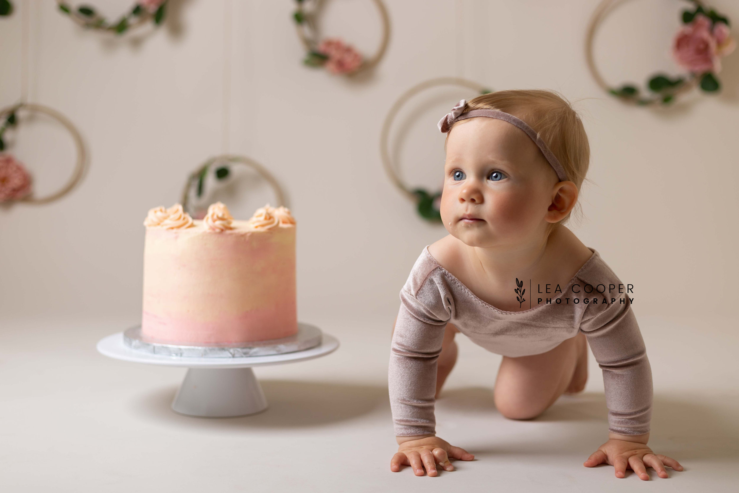 LEA-COOPER-PHOTOGRAPHY-CAKE-SMASH-PHOTOS-BIRTHDAY-PICTURES-WILLENHALL-WEST-MIDLANDS-SPLASH-CHILD-PHOTOGRAPHY-PORTRAIT-WEST-MIDLANDS-WOLVERHAMPTON-8.jpg