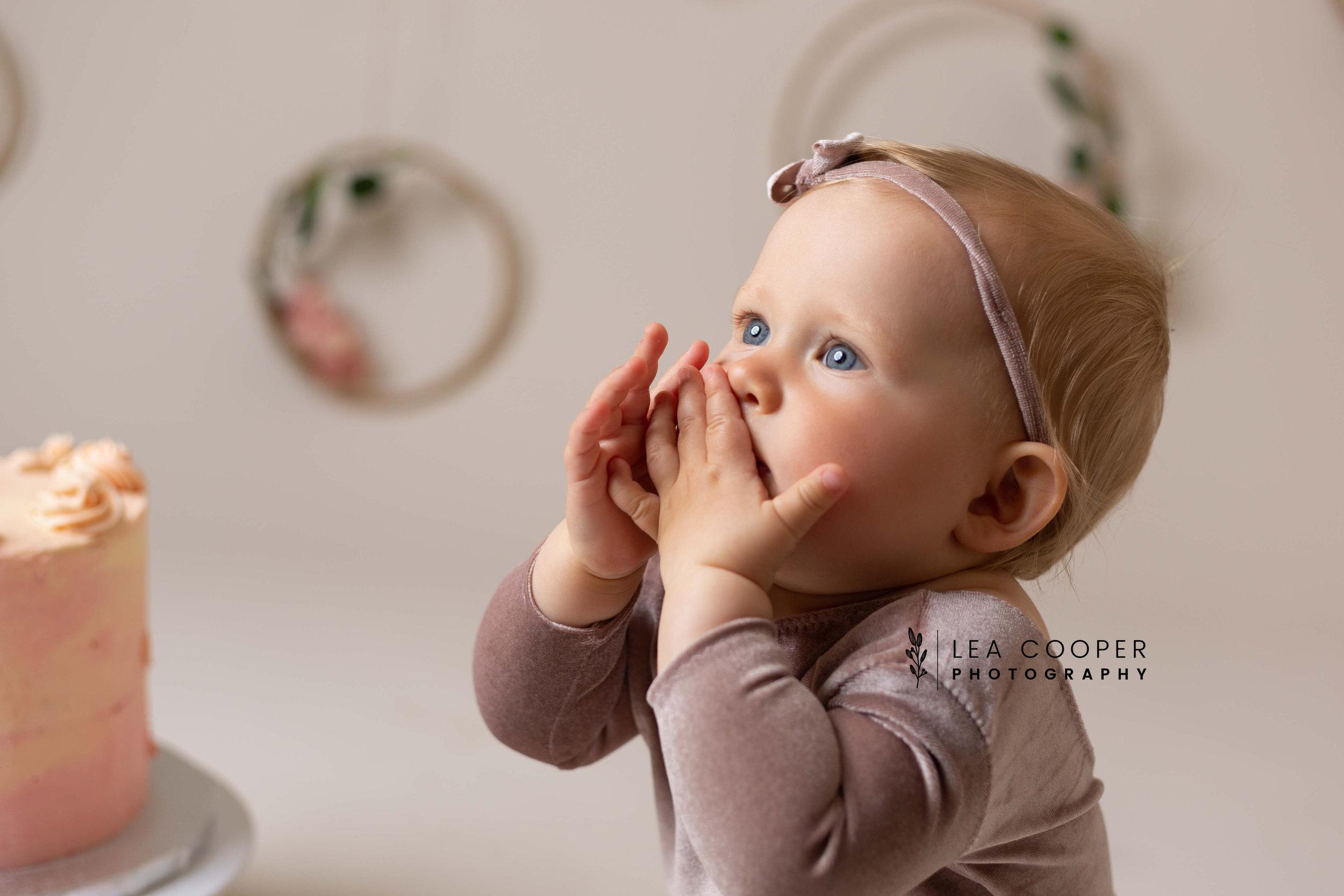 LEA-COOPER-PHOTOGRAPHY-CAKE-SMASH-PHOTOS-BIRTHDAY-PICTURES-WILLENHALL-WEST-MIDLANDS-SPLASH-CHILD-PHOTOGRAPHY-PORTRAIT-WEST-MIDLANDS-WOLVERHAMPTON-9.jpg