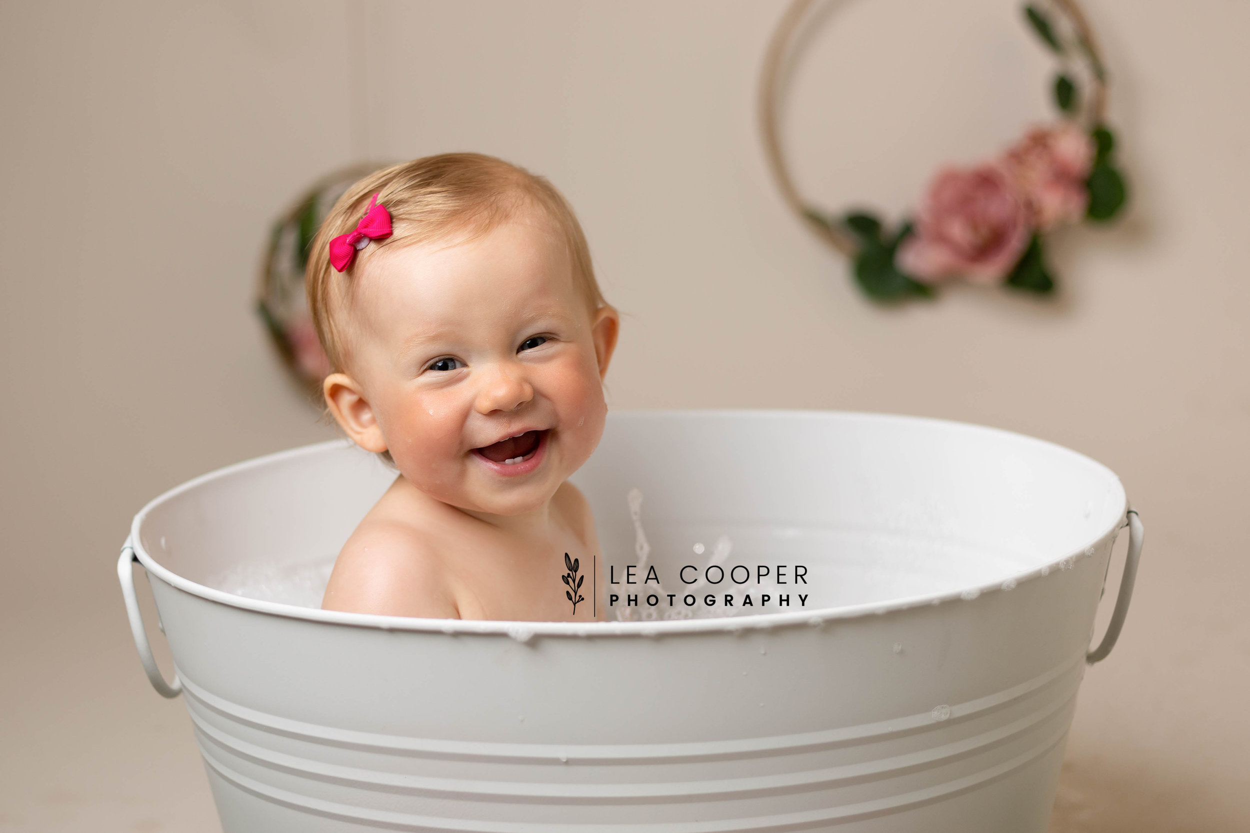 LEA-COOPER-PHOTOGRAPHY-CAKE-SMASH-PHOTOS-BIRTHDAY-PICTURES-WILLENHALL-WEST-MIDLANDS-SPLASH-CHILD-PHOTOGRAPHY-PORTRAIT-WEST-MIDLANDS-WOLVERHAMPTON-11.jpg