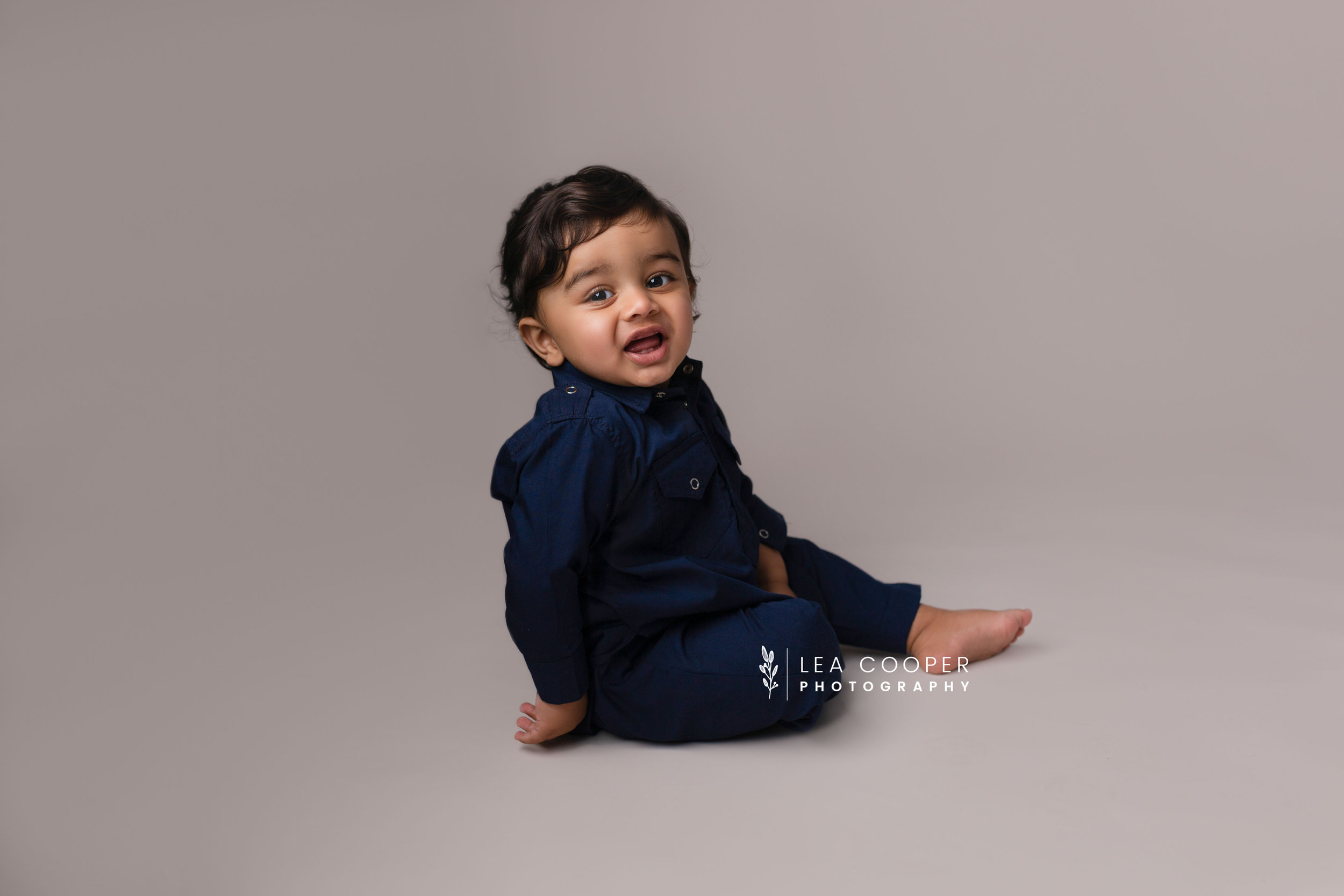 LEA-COOPER-PHOTOGRAPHY-CAKE-SMASH-PHOTOGRAPHER-WILLENALL-WOLVERHAMPTON-CHILD-PHOTOSHOOT-1ST—BIRTHDAY-PICTURES-WEDNESBURY-WALSALL-DUDLEY-WEST-MIDLANDS-UK-5.JPG