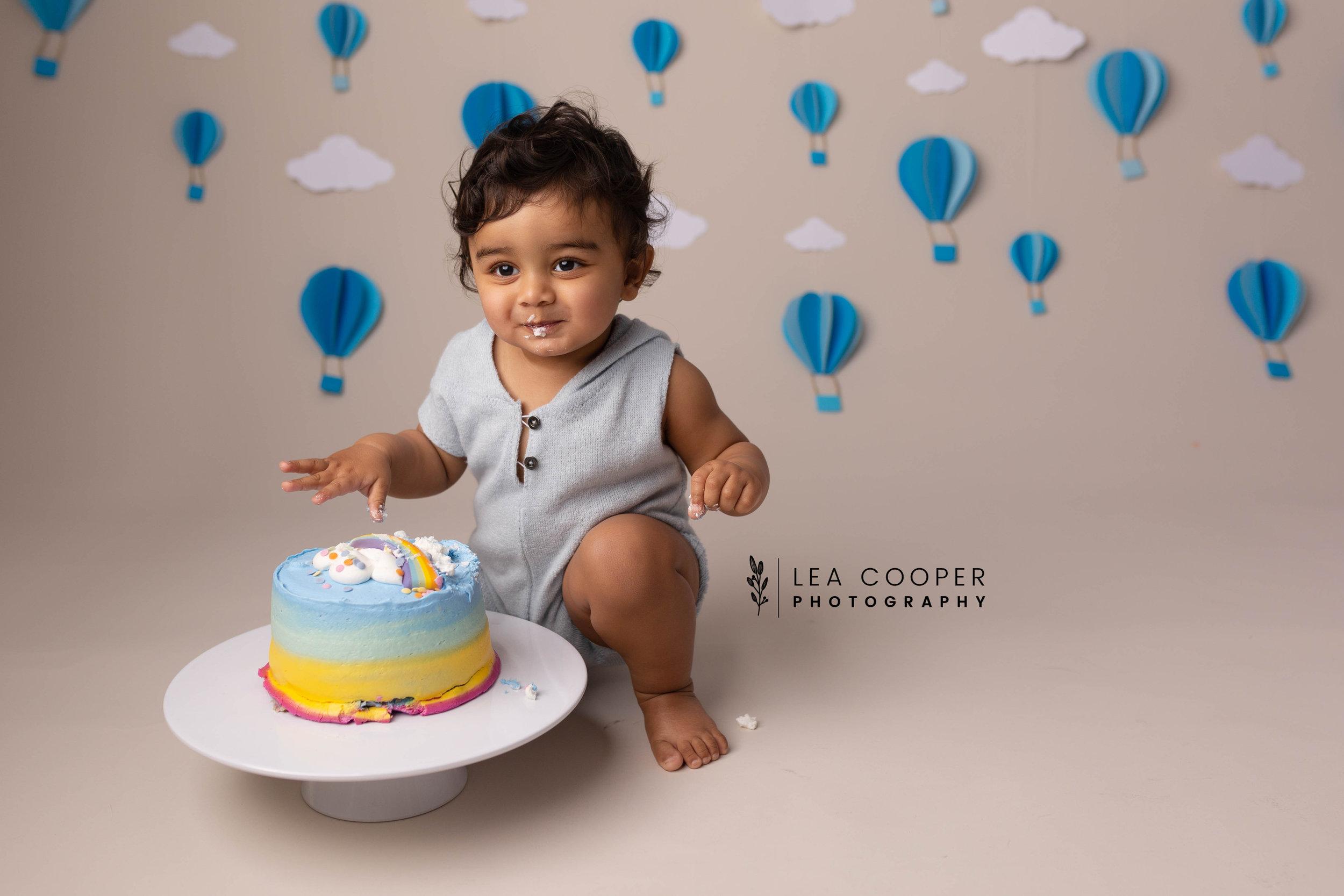 LEA-COOPER-PHOTOGRAPHY-CAKE-SMASH-PHOTOGRAPHER-WILLENALL-WOLVERHAMPTON-CHILD-PHOTOSHOOT-1ST—BIRTHDAY-PICTURES-WEDNESBURY-WALSALL-DUDLEY-WEST-MIDLANDS-UK-16.JPG