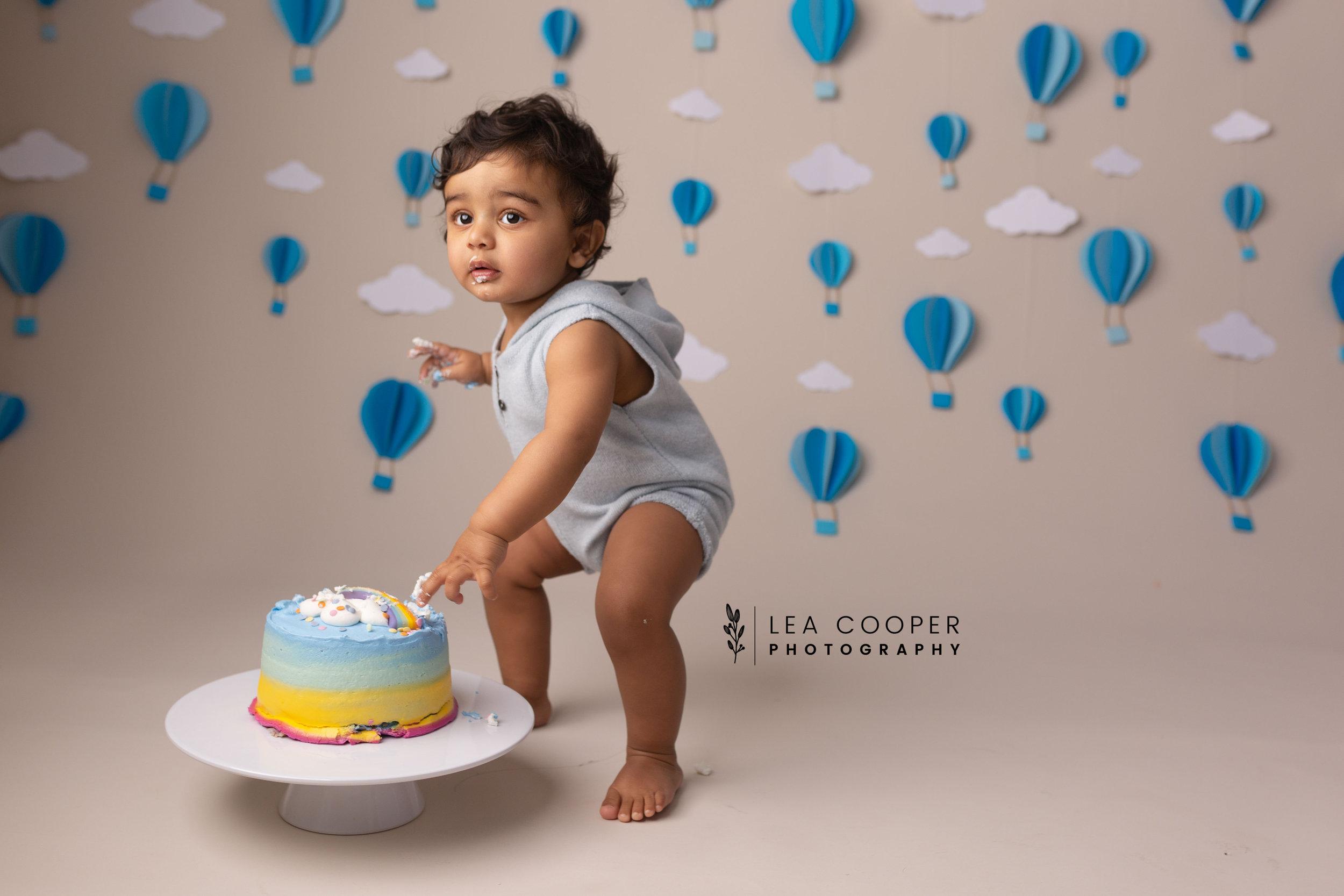 LEA-COOPER-PHOTOGRAPHY-CAKE-SMASH-PHOTOGRAPHER-WILLENALL-WOLVERHAMPTON-CHILD-PHOTOSHOOT-1ST—BIRTHDAY-PICTURES-WEDNESBURY-WALSALL-DUDLEY-WEST-MIDLANDS-UK-18.JPG