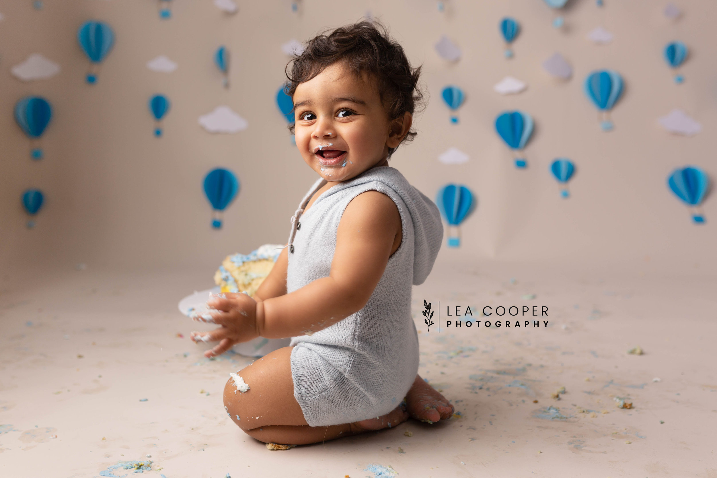 LEA-COOPER-PHOTOGRAPHY-CAKE-SMASH-PHOTOGRAPHER-WILLENALL-WOLVERHAMPTON-CHILD-PHOTOSHOOT-1ST—BIRTHDAY-PICTURES-WEDNESBURY-WALSALL-DUDLEY-WEST-MIDLANDS-UK-27.JPG