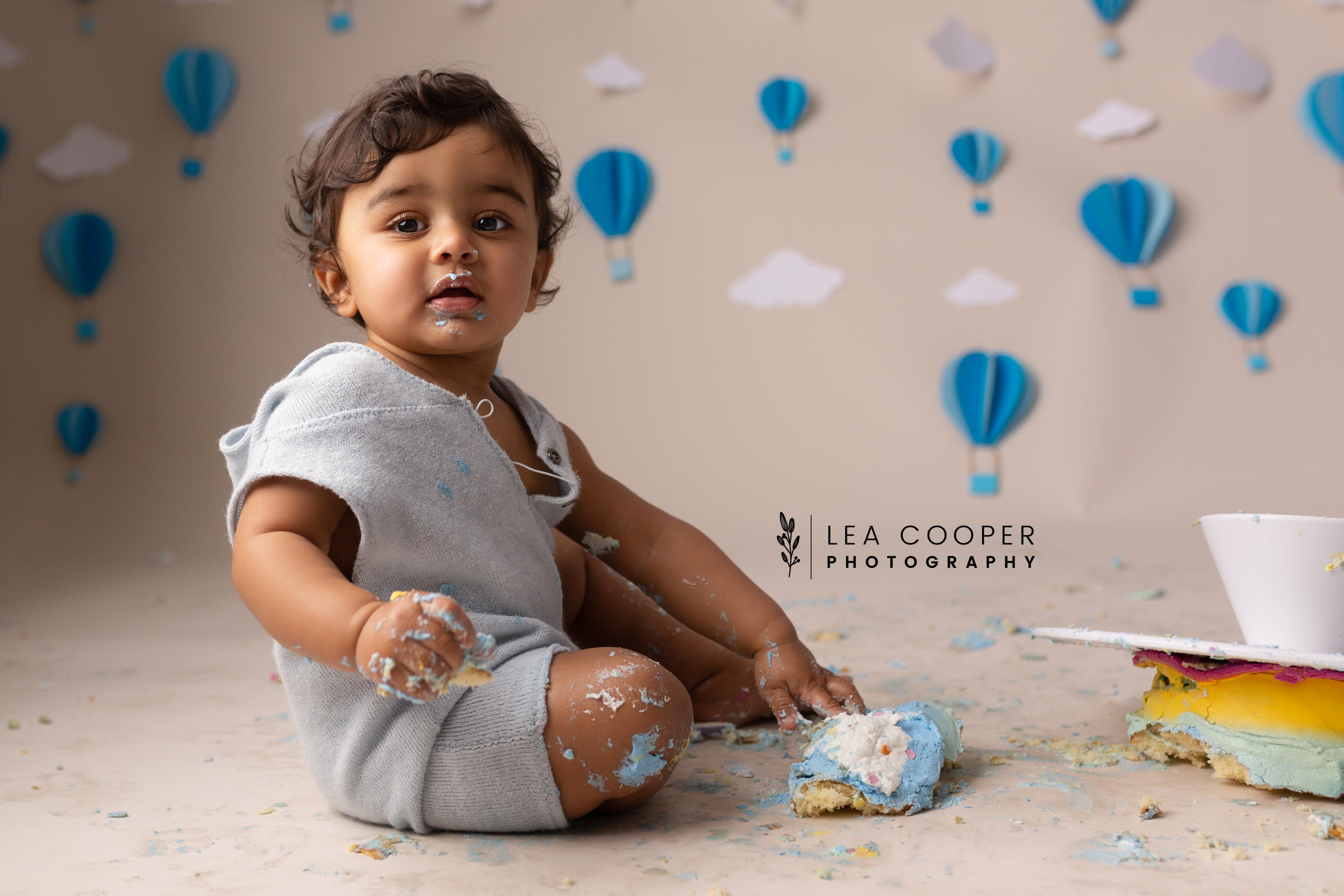 LEA-COOPER-PHOTOGRAPHY-CAKE-SMASH-PHOTOGRAPHER-WILLENALL-WOLVERHAMPTON-CHILD-PHOTOSHOOT-1ST—BIRTHDAY-PICTURES-WEDNESBURY-WALSALL-DUDLEY-WEST-MIDLANDS-UK-29.JPG