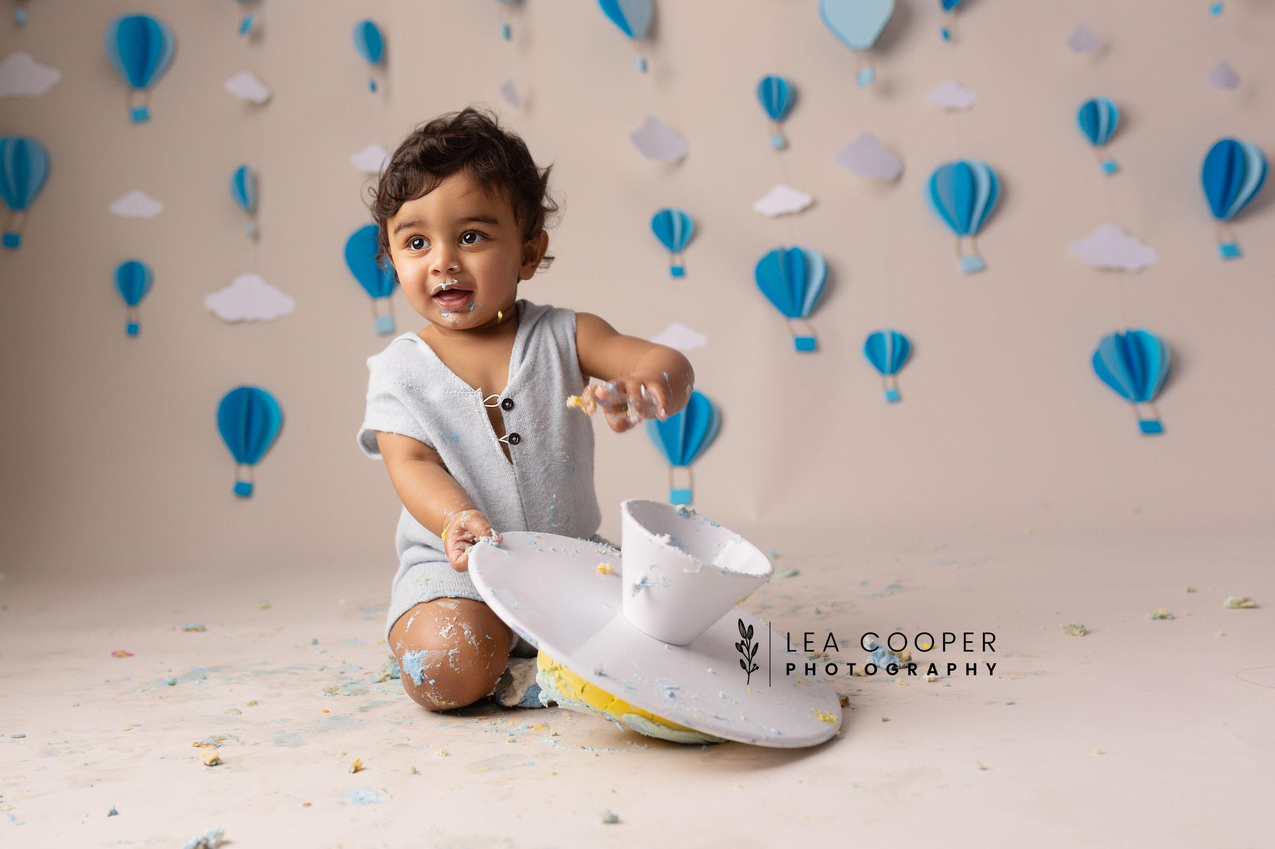 LEA-COOPER-PHOTOGRAPHY-CAKE-SMASH-PHOTOGRAPHER-WILLENALL-WOLVERHAMPTON-CHILD-PHOTOSHOOT-1ST—BIRTHDAY-PICTURES-WEDNESBURY-WALSALL-DUDLEY-WEST-MIDLANDS-UK-31.JPG