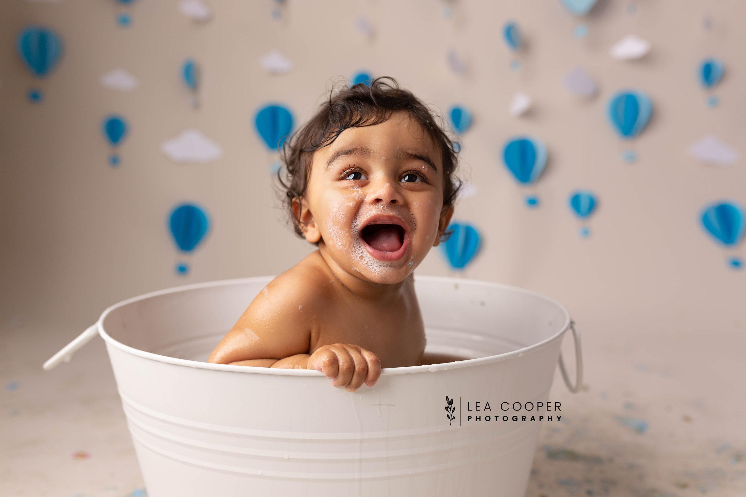 LEA-COOPER-PHOTOGRAPHY-CAKE-SMASH-PHOTOGRAPHER-WILLENALL-WOLVERHAMPTON-CHILD-PHOTOSHOOT-1ST—BIRTHDAY-PICTURES-WEDNESBURY-WALSALL-DUDLEY-WEST-MIDLANDS-UK-42.JPG