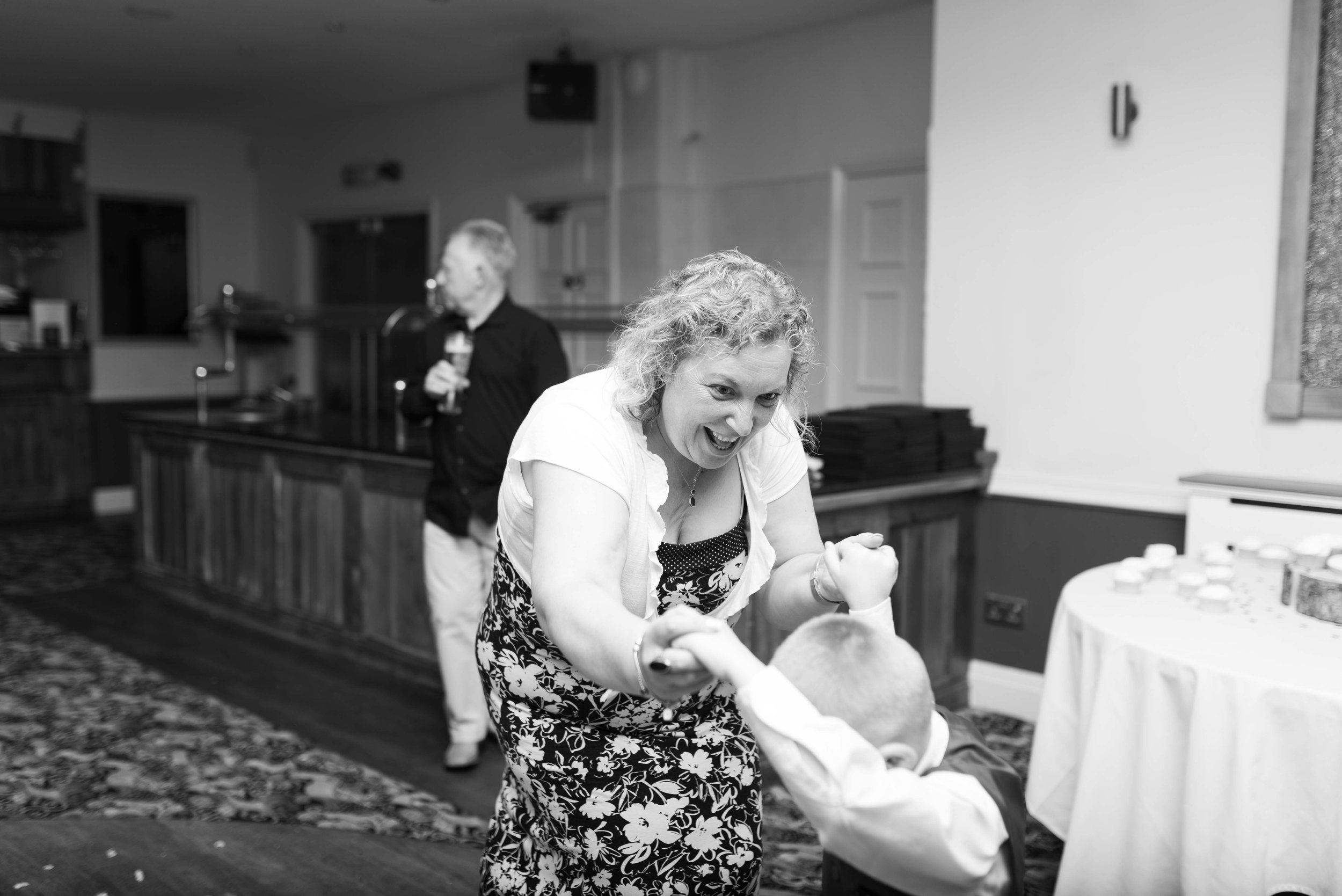 LEA-COOPER-PHOTOGRAPHY-WEDDING-PHOTOGRAPHY-THOMAS-ROBINSON-BUILDING-STOURBRIDGE-YE-OLDE-PUNCHBOWL-INN-BRIDGNORTH-WOLVERHAMPTON-WILLENHALL-UK-WEDDING-PHOTOGRAPHER-7.JPG