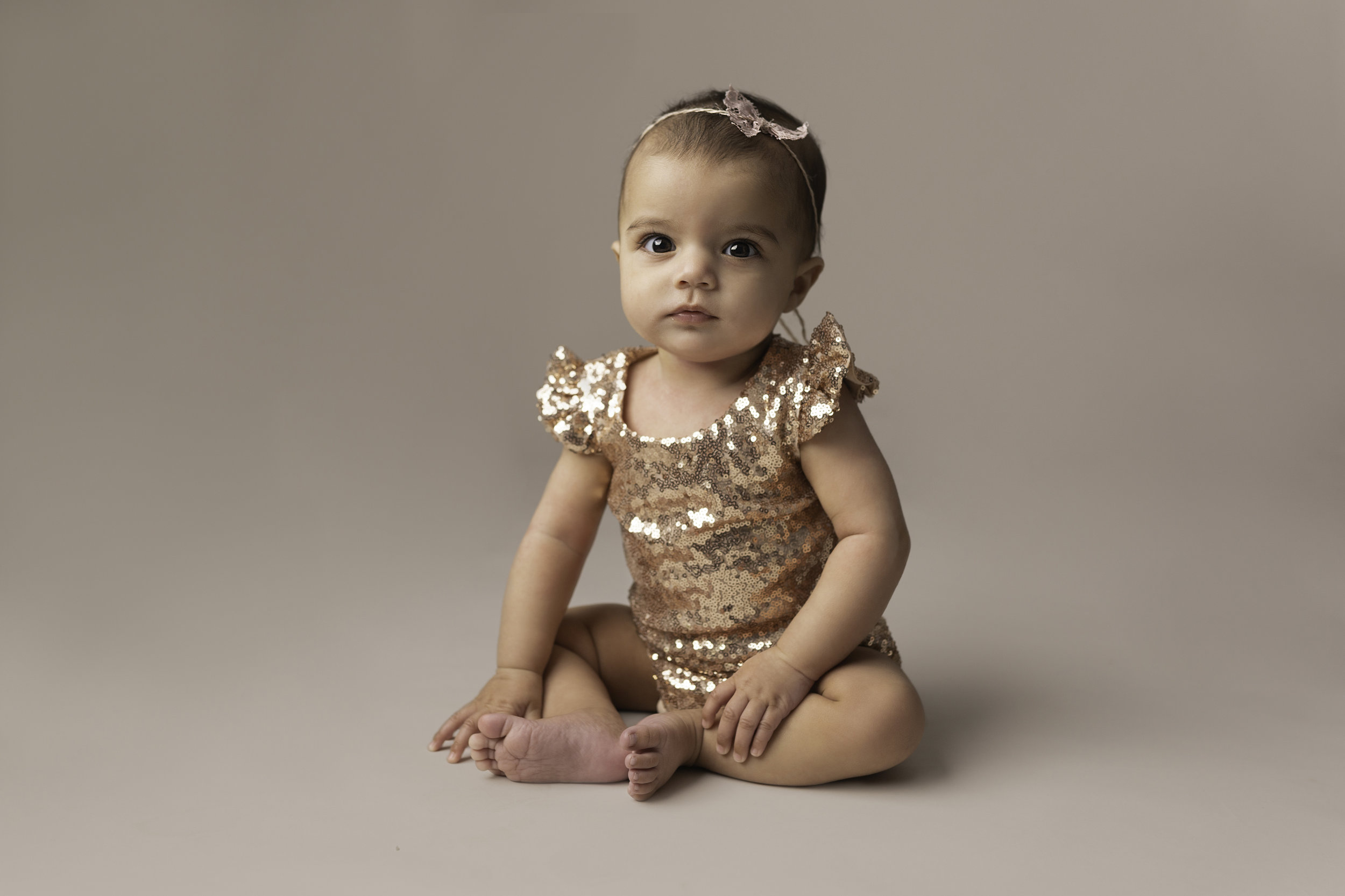 Lea-cooper-photography-childrens-photographer-portrait-session-sitter-session-6-months-old-photos-willenhall-wolverahmpton-birmingham-west-midlands-uk-1.jpg