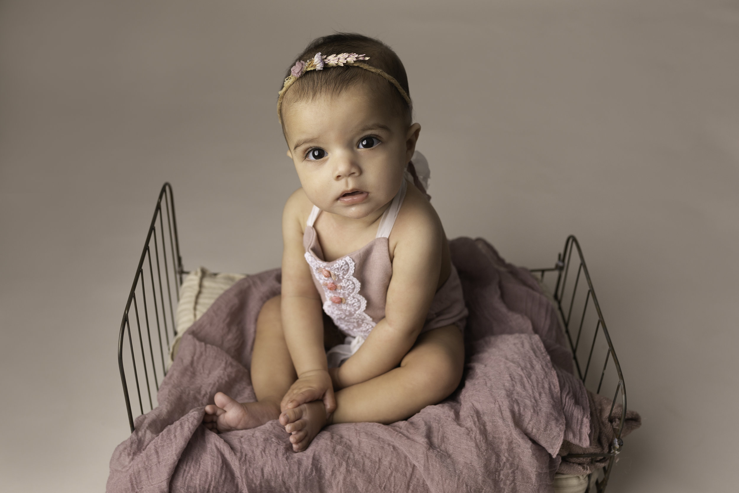 Lea-cooper-photography-childrens-photographer-portrait-session-sitter-session-6-months-old-photos-willenhall-wolverahmpton-birmingham-west-midlands-uk-7.jpg