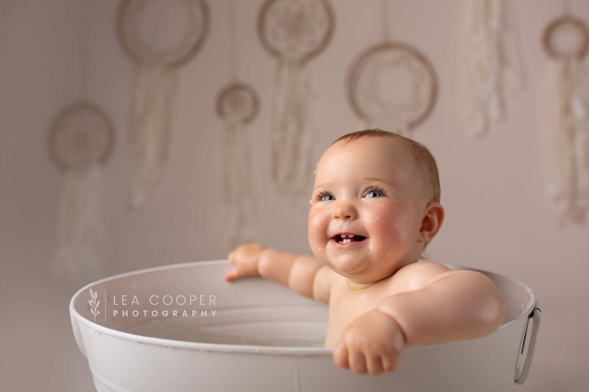 LEA-COOPER-PHOTOGRAPHY-CAKE-SMASH-SESSION-BIRTHDAY-PHOTOS-1ST-BIRTHDAY-SPLASH-SESSION-SMASH-SESSION-CHILDRENS-PHOTOGRAPHY-WILLENHALL-WOLVERHAMPTON-BIRMINGHAM-WEST-MIDLANDS-UK-10.jpg