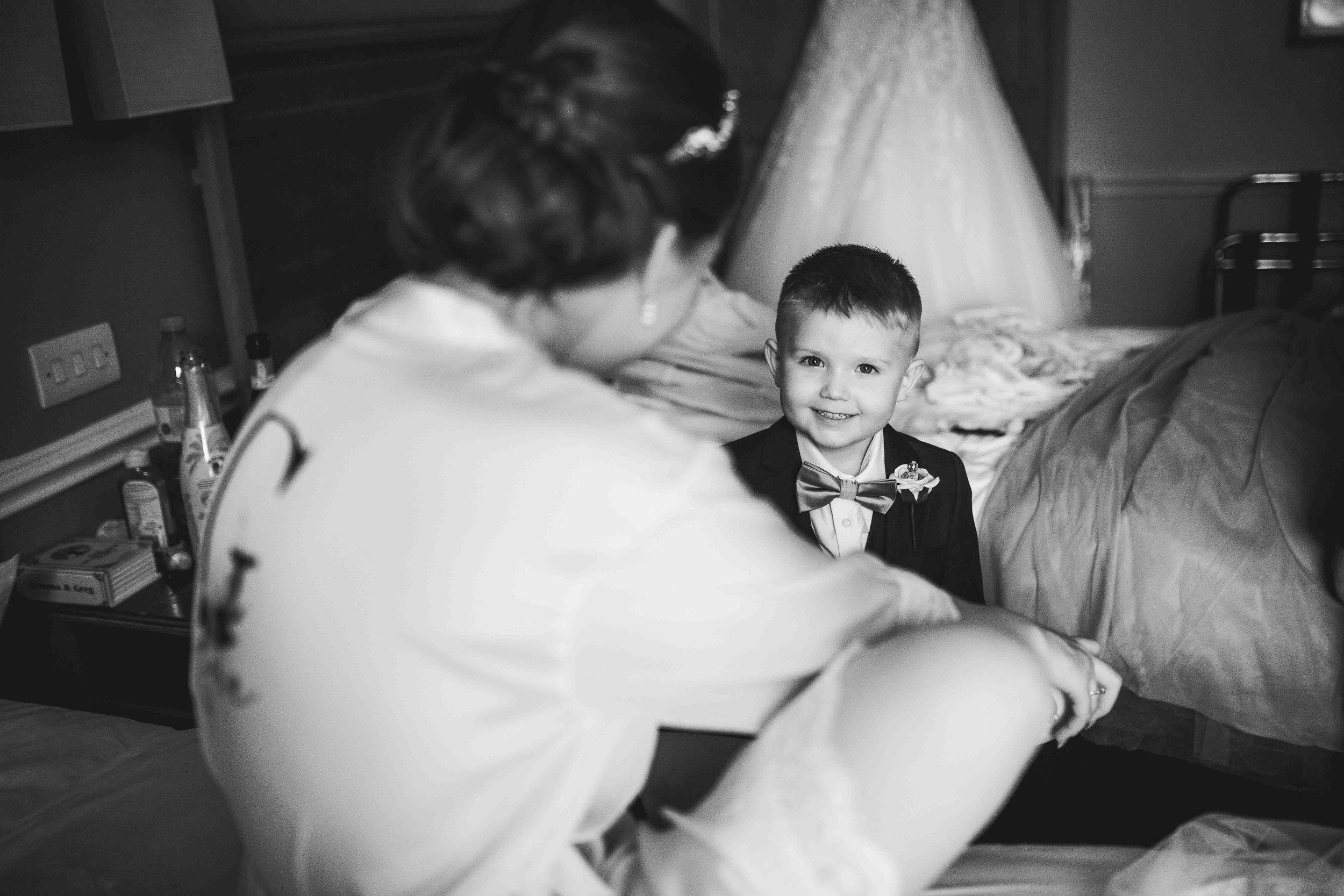 Lea-cooper-photography-willenhall-wolverhampton-wedding-photographer-birmingham-shirley-west-midlands-ceremony-church-5.JPG