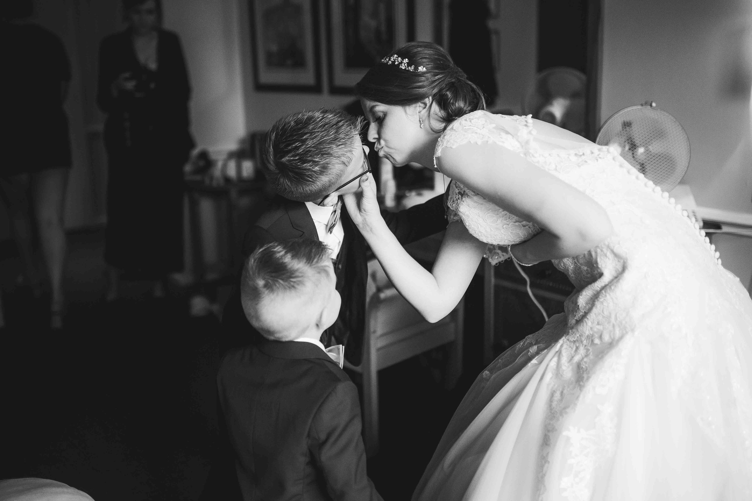 Lea-cooper-photography-willenhall-wolverhampton-wedding-photographer-birmingham-shirley-west-midlands-ceremony-church-6.JPG