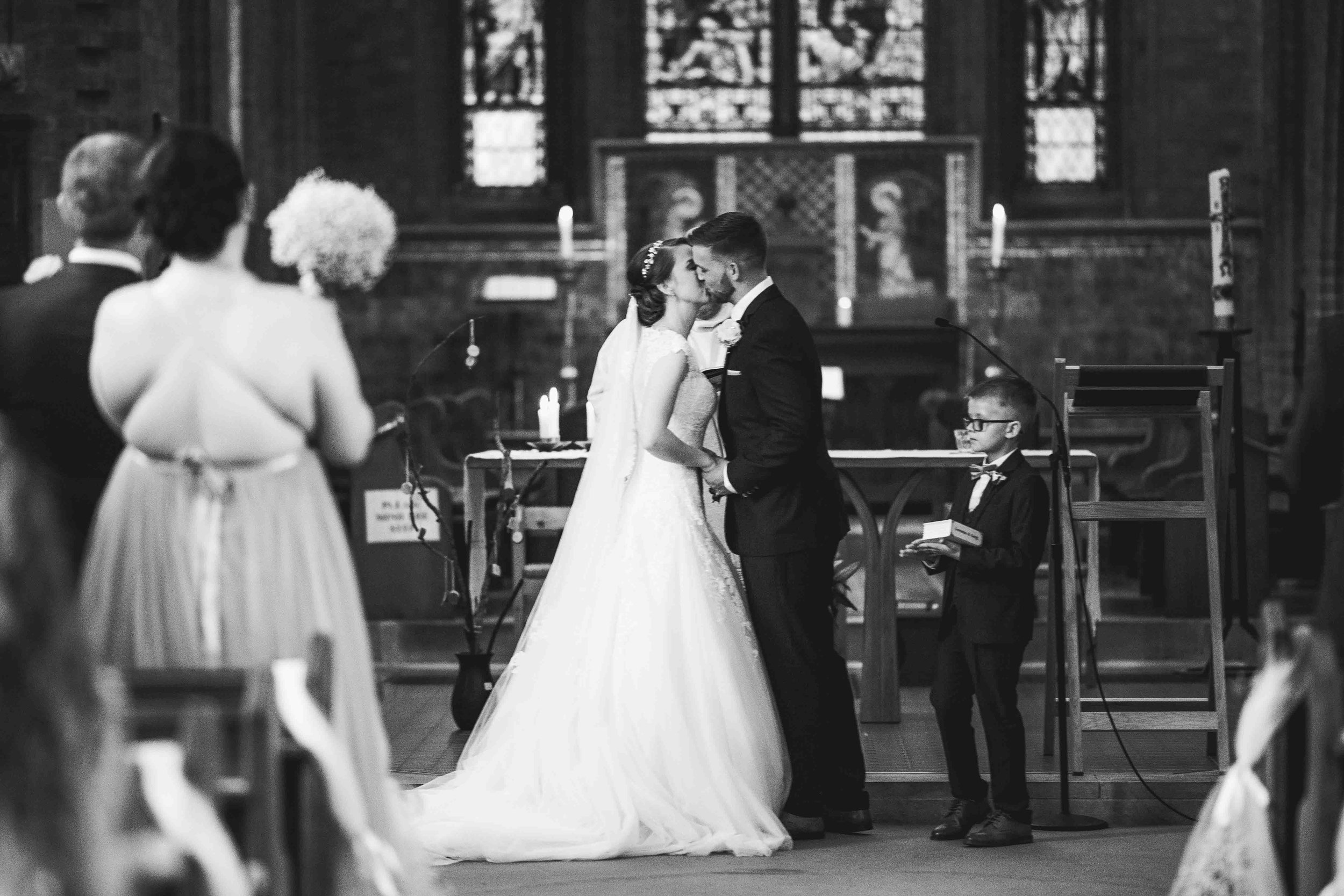 Lea-cooper-photography-willenhall-wolverhampton-wedding-photographer-birmingham-shirley-west-midlands-ceremony-church-10.JPG