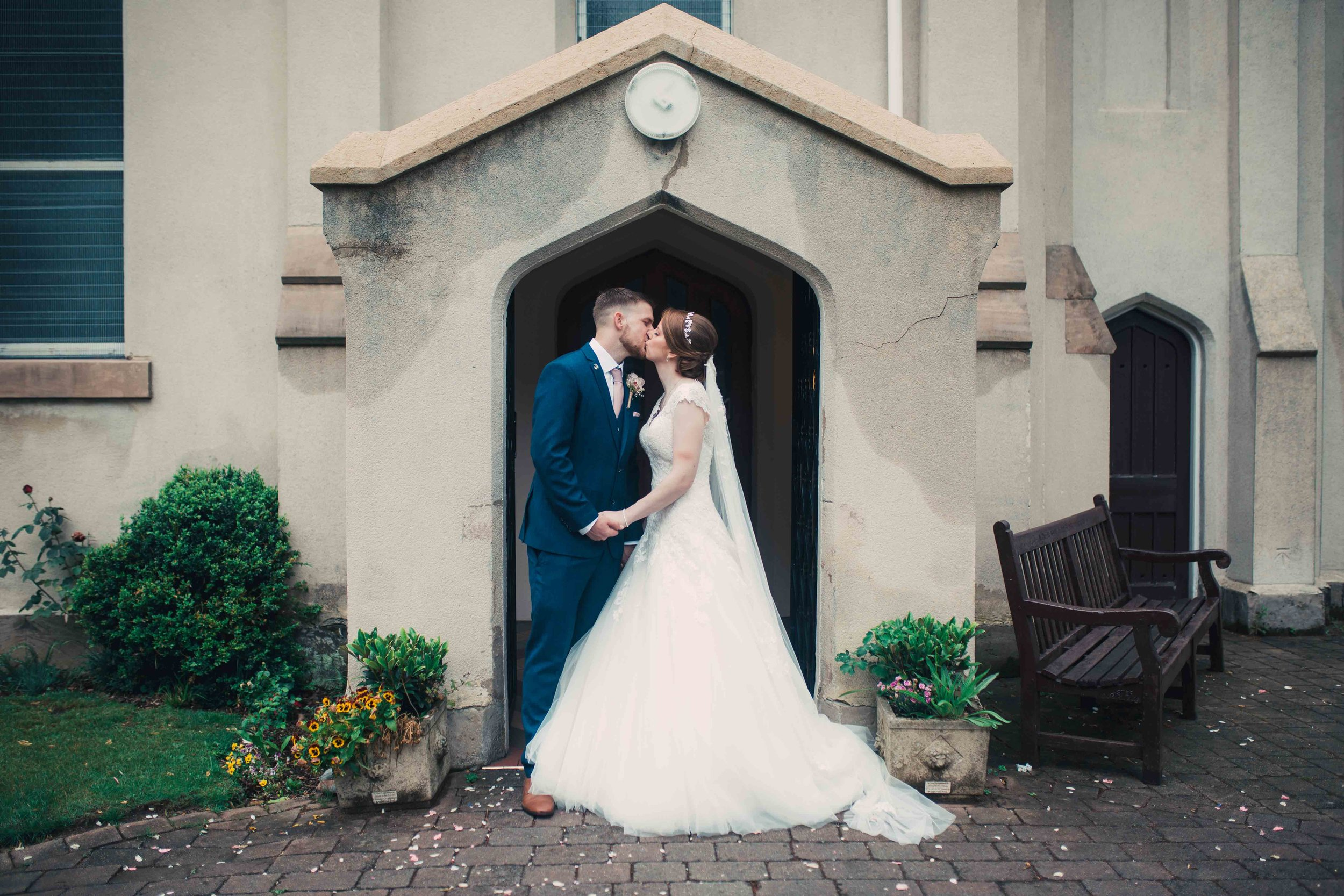 Lea-cooper-photography-willenhall-wolverhampton-wedding-photographer-birmingham-shirley-west-midlands-ceremony-church-25.JPG