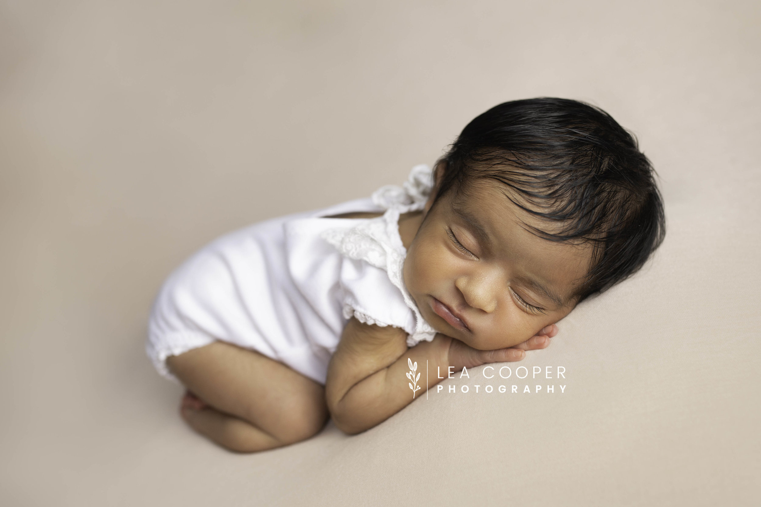 LEA-COOPER-PHOTOGRAPHY-NEWBORN-PHOTOGRAPHER-BABY-PHOTOGRAPHY-NEWBORN-SESSION-WILLENHALL-WOLVERHAMPTON-WEST-MIDLANDS-UK-7.jpg