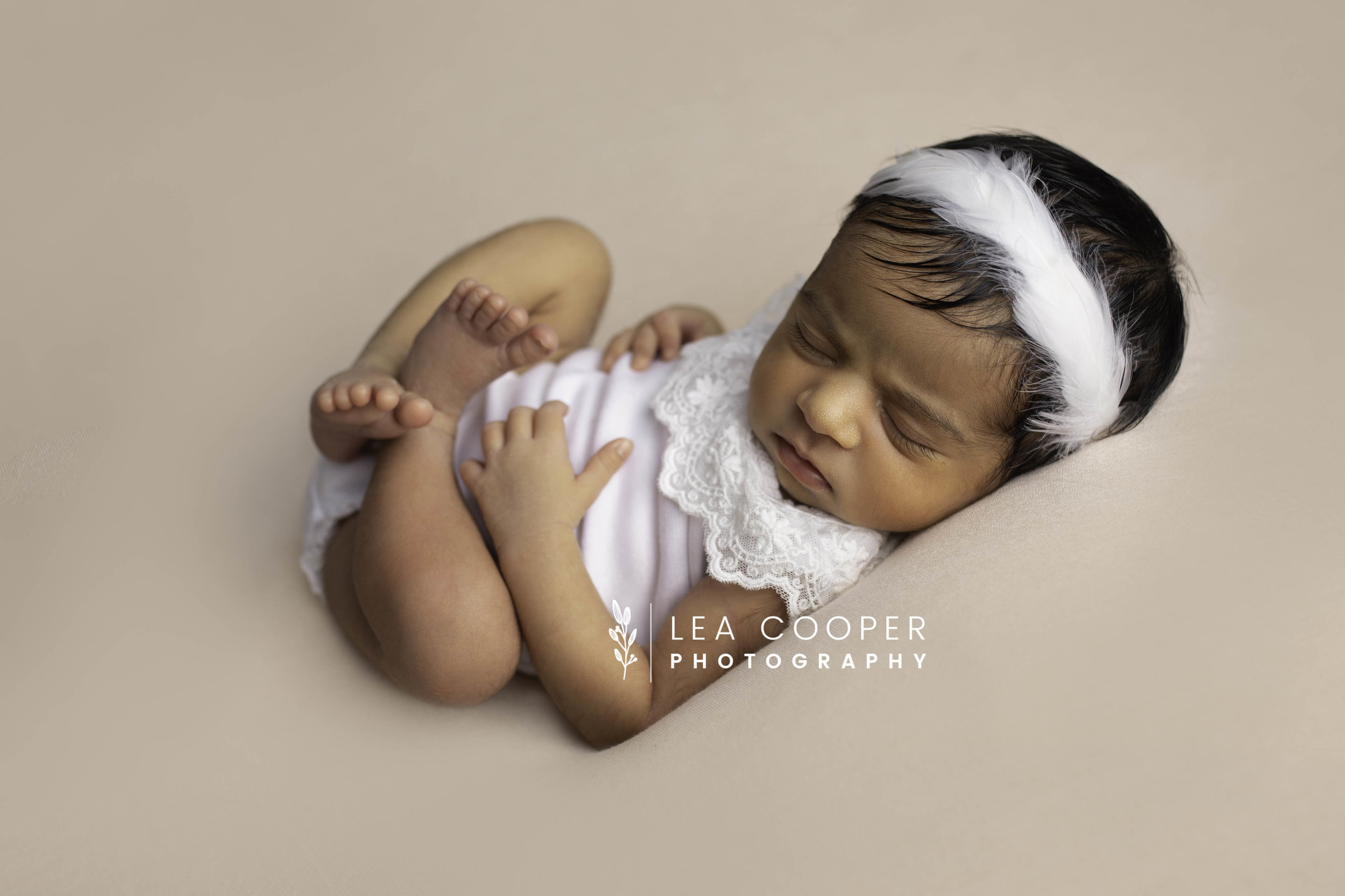 LEA-COOPER-PHOTOGRAPHY-NEWBORN-PHOTOGRAPHER-BABY-PHOTOGRAPHY-NEWBORN-SESSION-WILLENHALL-WOLVERHAMPTON-WEST-MIDLANDS-UK-9.jpg