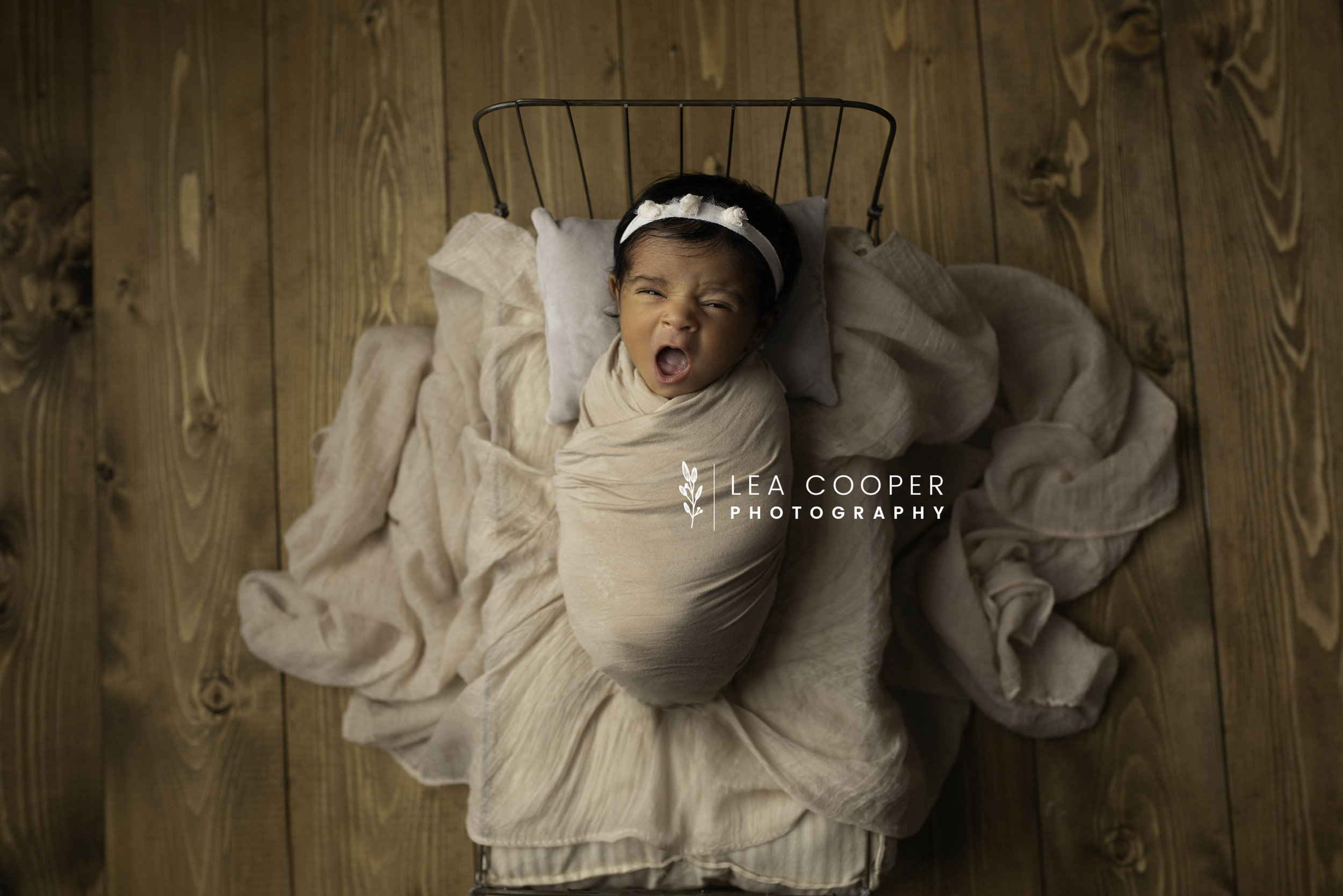 LEA-COOPER-PHOTOGRAPHY-NEWBORN-PHOTOGRAPHER-BABY-PHOTOGRAPHY-NEWBORN-SESSION-WILLENHALL-WOLVERHAMPTON-WEST-MIDLANDS-UK-11.jpg
