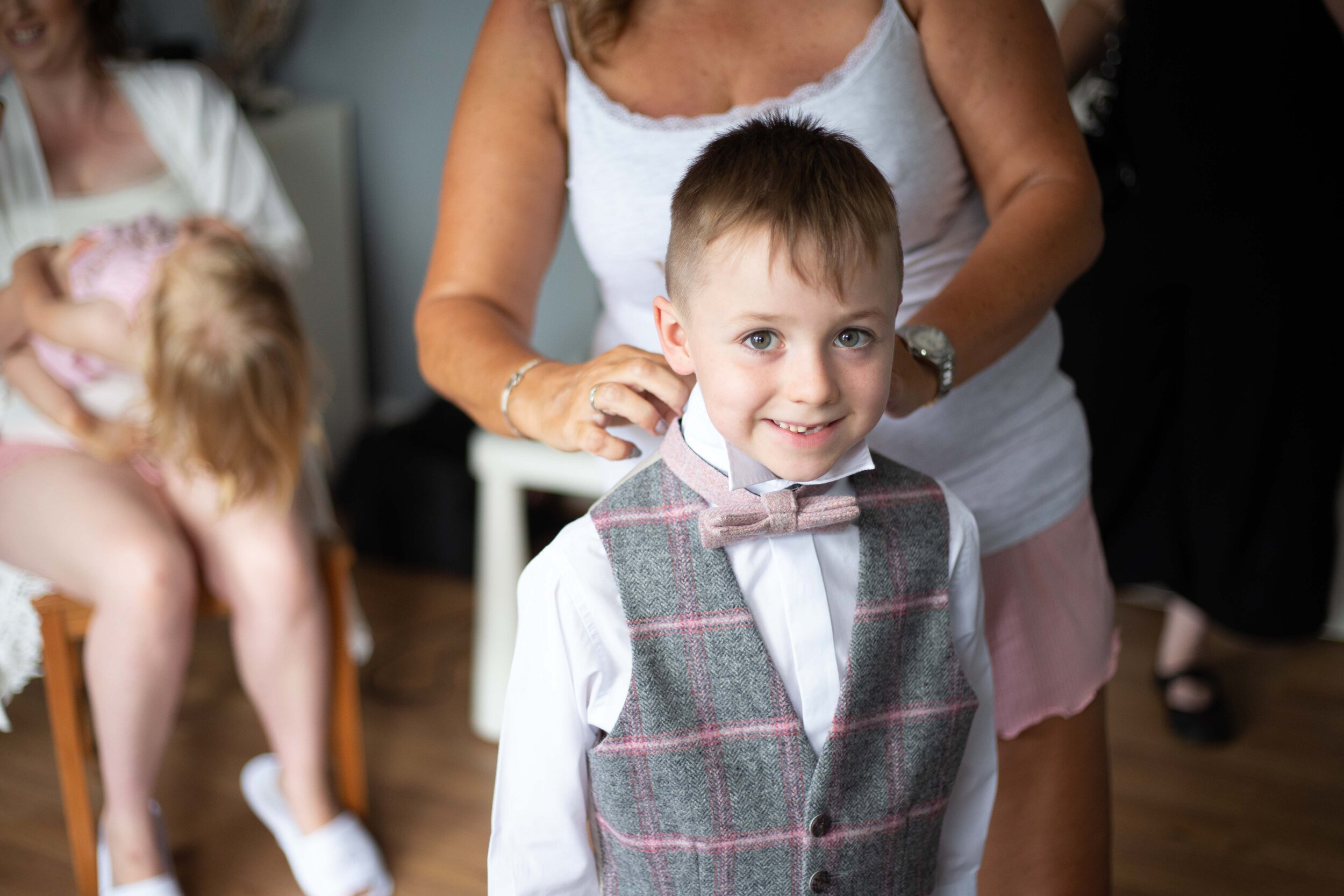 Lea Cooper photography - wedding photography - st Lawrence church dalaston West Midlands Willenhall Wednesday wedding photographer Brookfields club house cannock road - 6.JPG