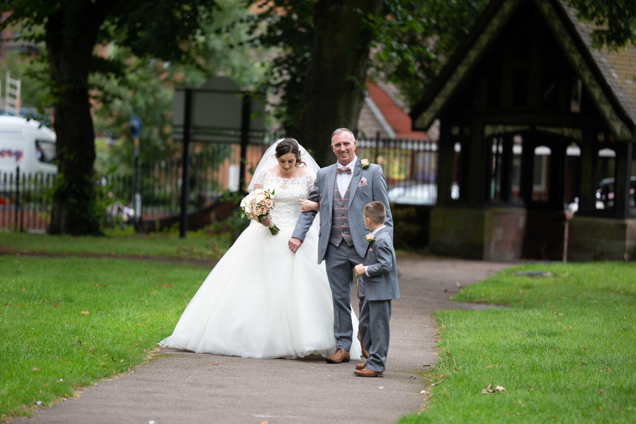 Lea Cooper photography - wedding photography - st Lawrence church dalaston West Midlands Willenhall Wednesday wedding photographer Brookfields club house cannock road - 21.JPG