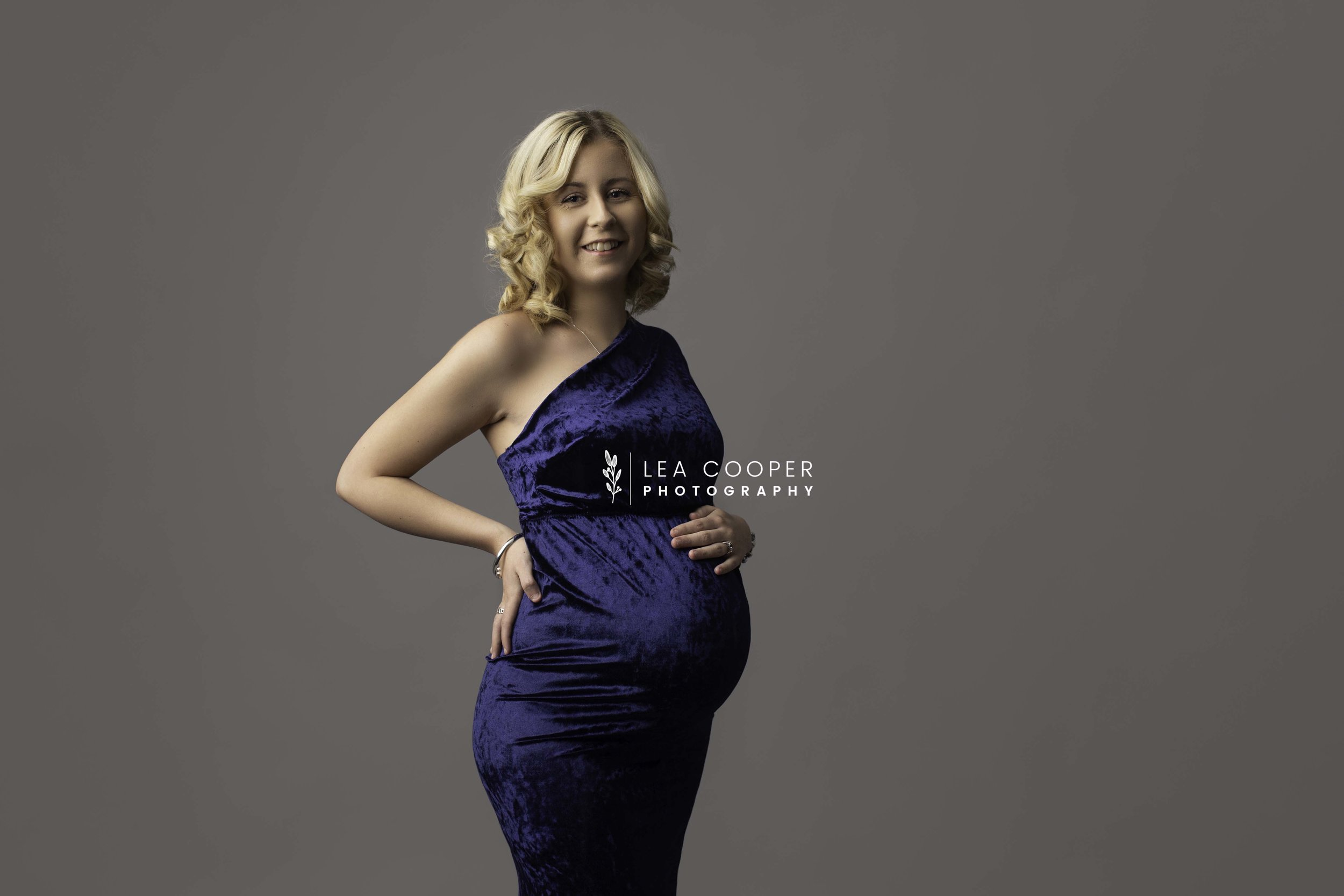 LEA COOPER PHOTOGRAPHY NEWBORN MATERNITY SESSION BABY BUMP SESSION WILLENHALL WEST MIDLANDS WALSALL WEDNESBURY UK1.jpg