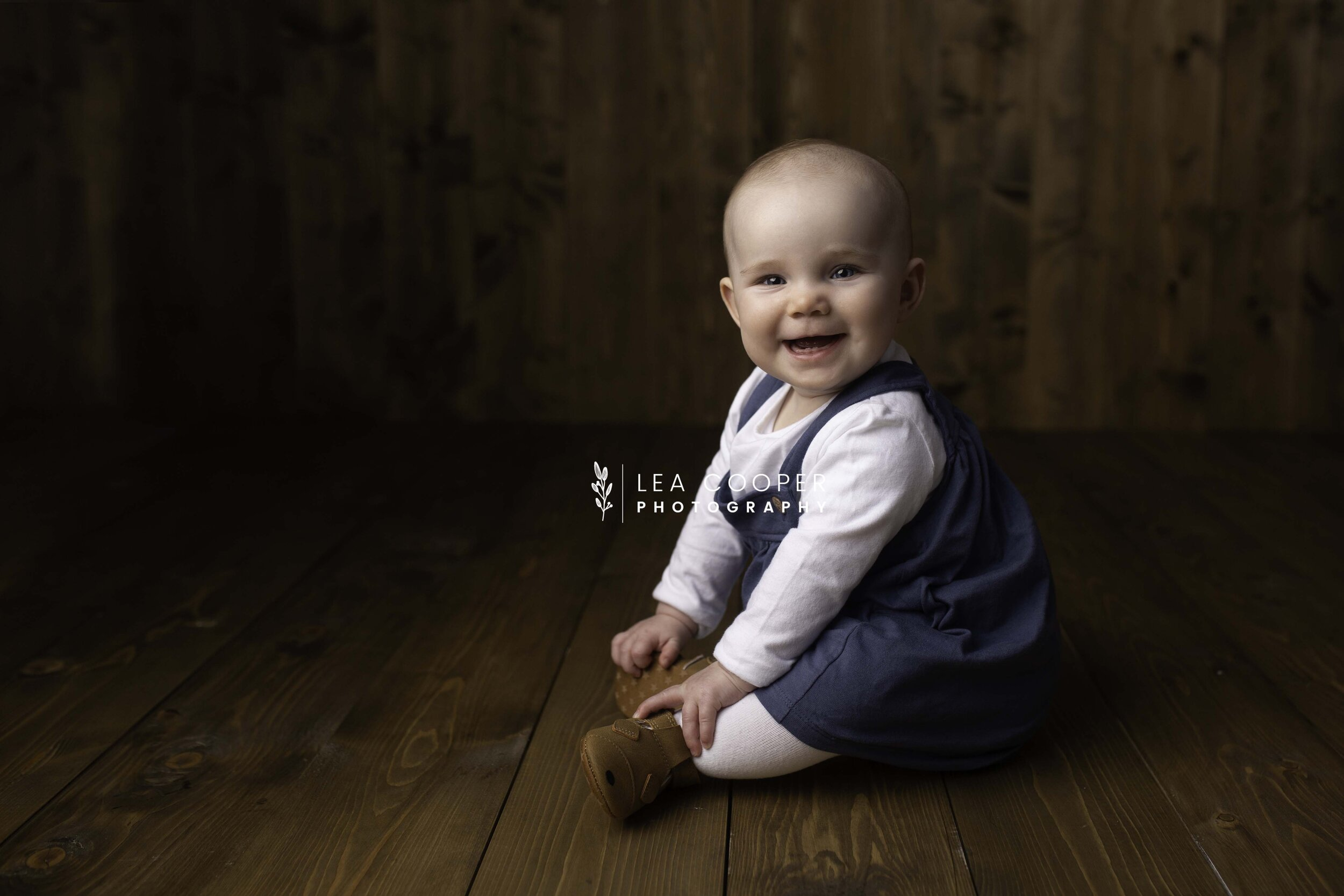 lea-cooper-photography-family-session-family-photoshoot-sitter-session-willenhall-wolverhampton-west-midlands-14.jpg