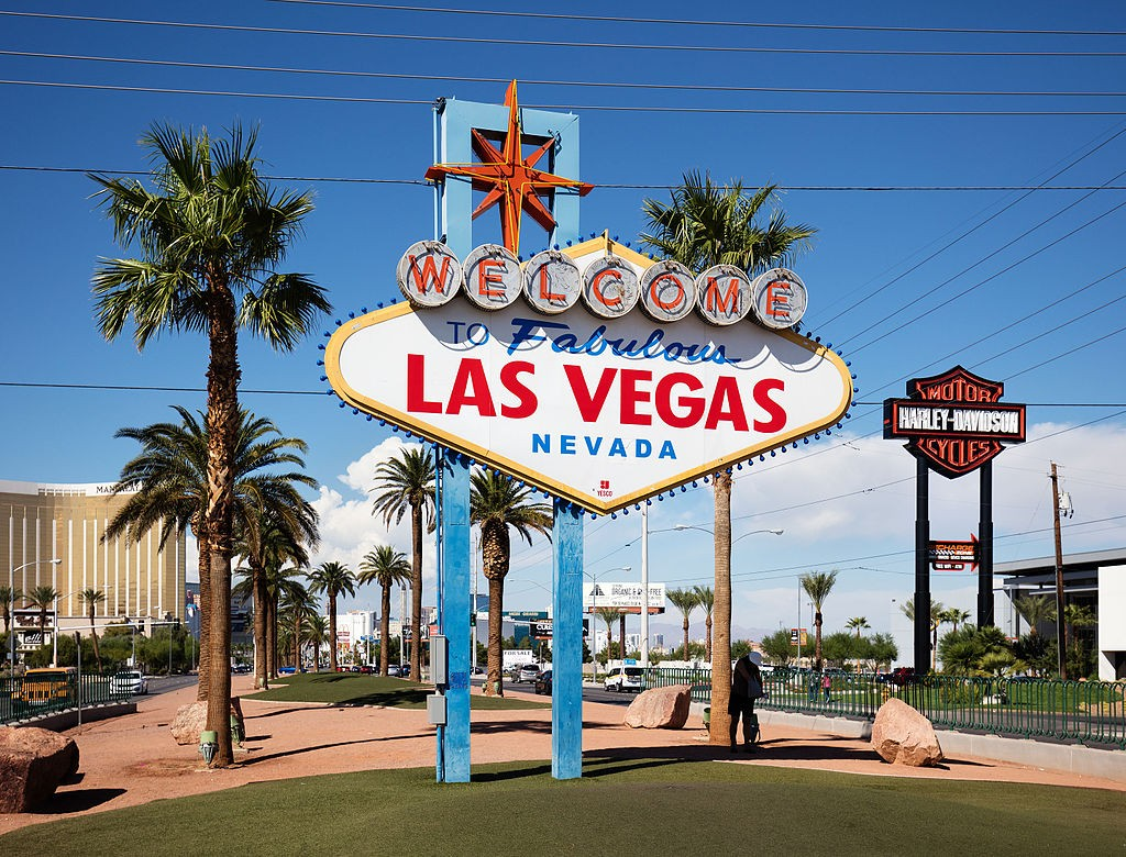 [ the iconic Las Vegas sign ]