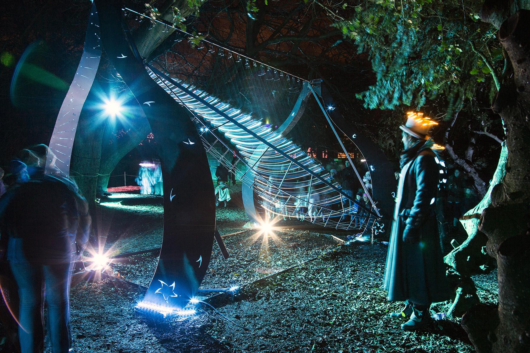 Pendulum Wave Machine at Night