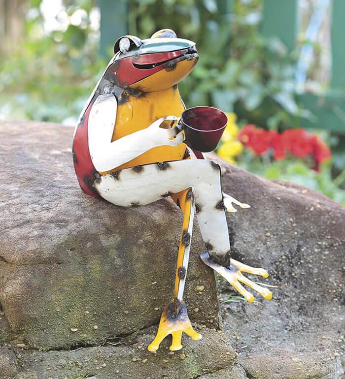 Plow & Hearth Recycled Metal Coffee Frog Garden Art