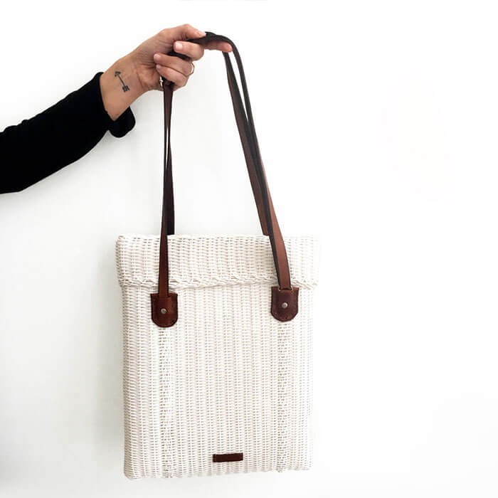 Wakami Cartero White Shoulder Bag