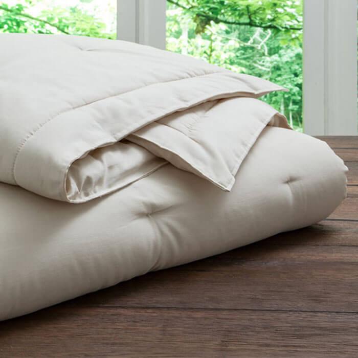 PlushBeds Natural Luxury Handmade Wool Comforter