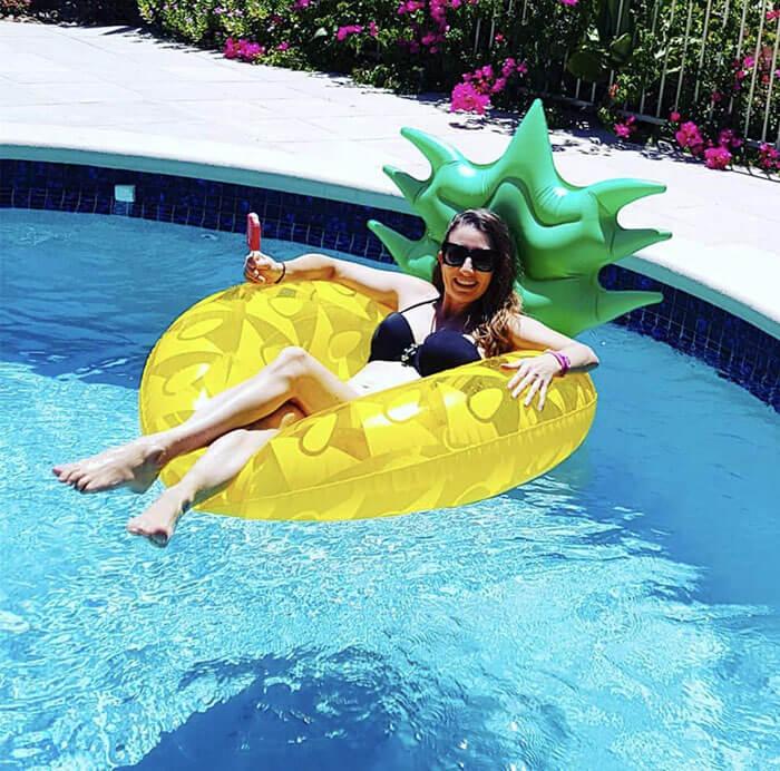 HANMUN Giant Inflatable Pineapple Pool Float