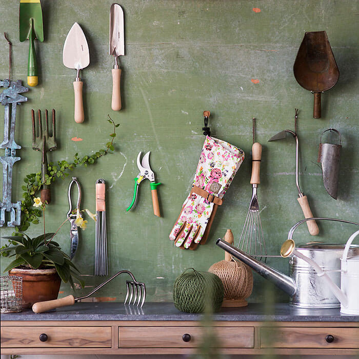 Terrain Sneeboer 5-Tine Hand Garden Rake